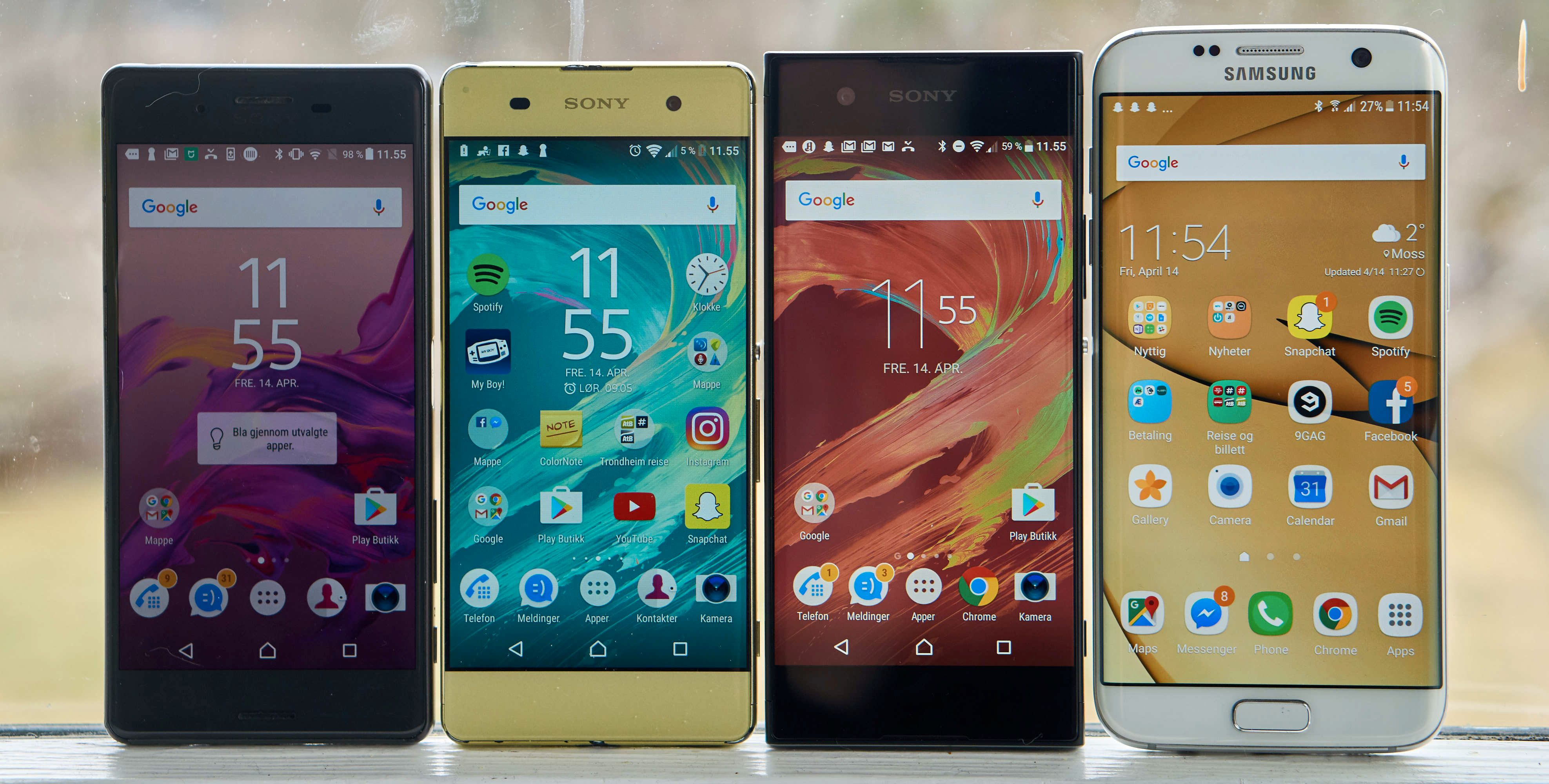 Fra venstre mot høyre: Xperia X, Xperia XA, Xperia XA1 og Galaxy S7 Edge. Xperia XA1 er ganske mye større enn forgjengeren, til tross for like stor skjerm.