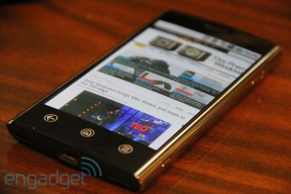 Dell Thunder. (Foto: Engadget Mobile)