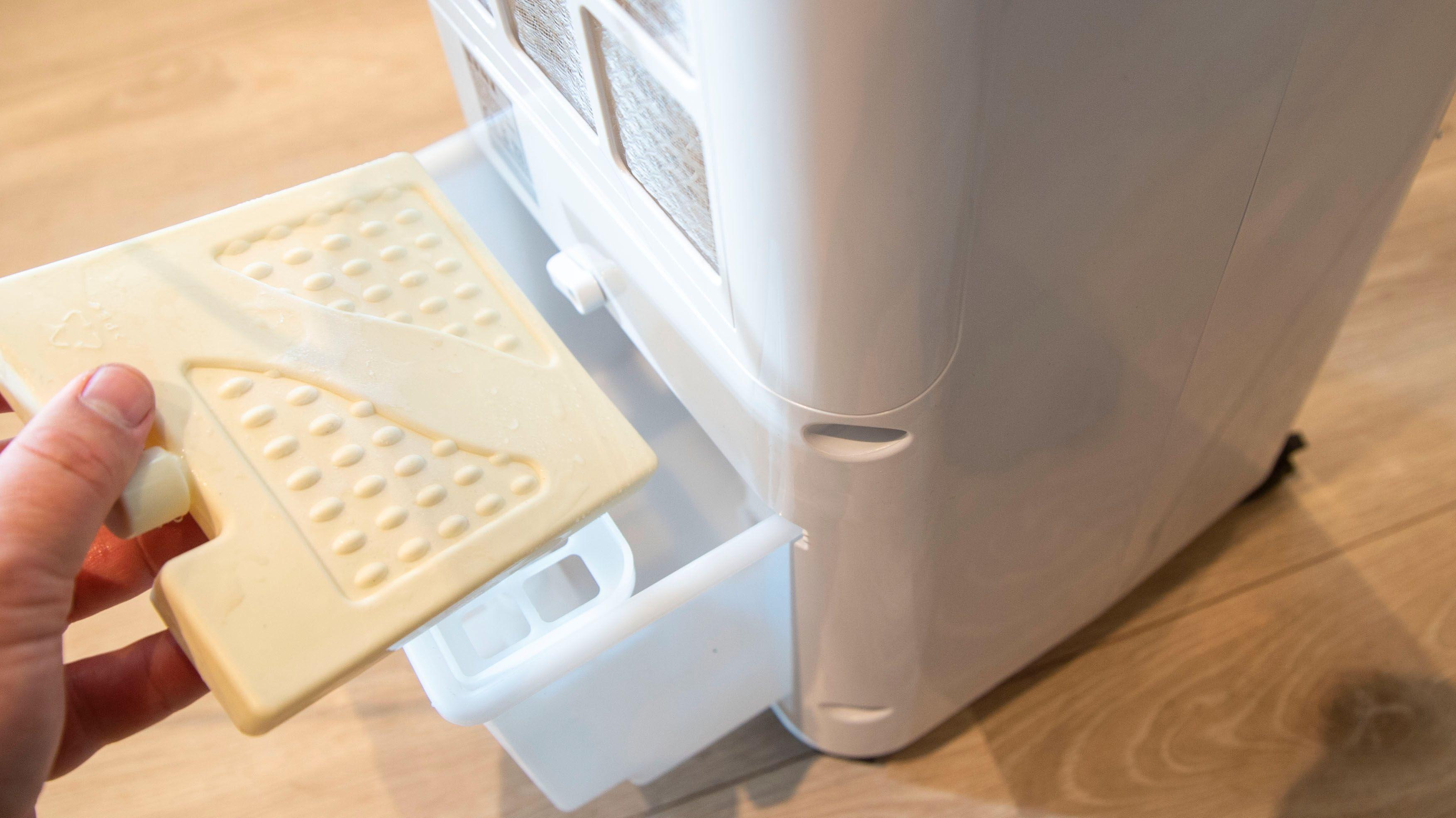 Det følger med fryseelementer når du kjøper Senz sin maskin.