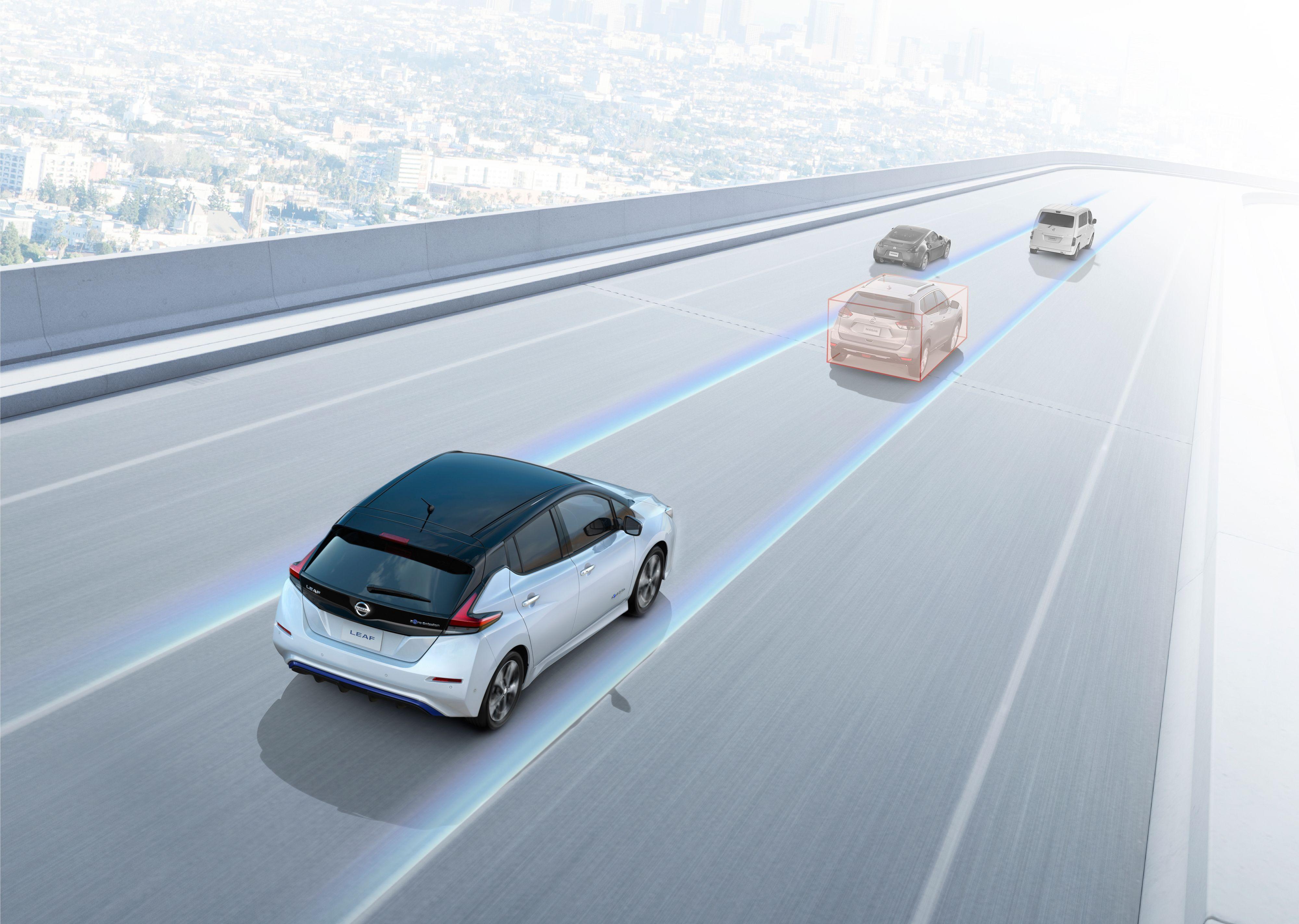 ProPilot-systemet sørger for å avpasse farten til trafikken, og holder deg også i fila du er i.