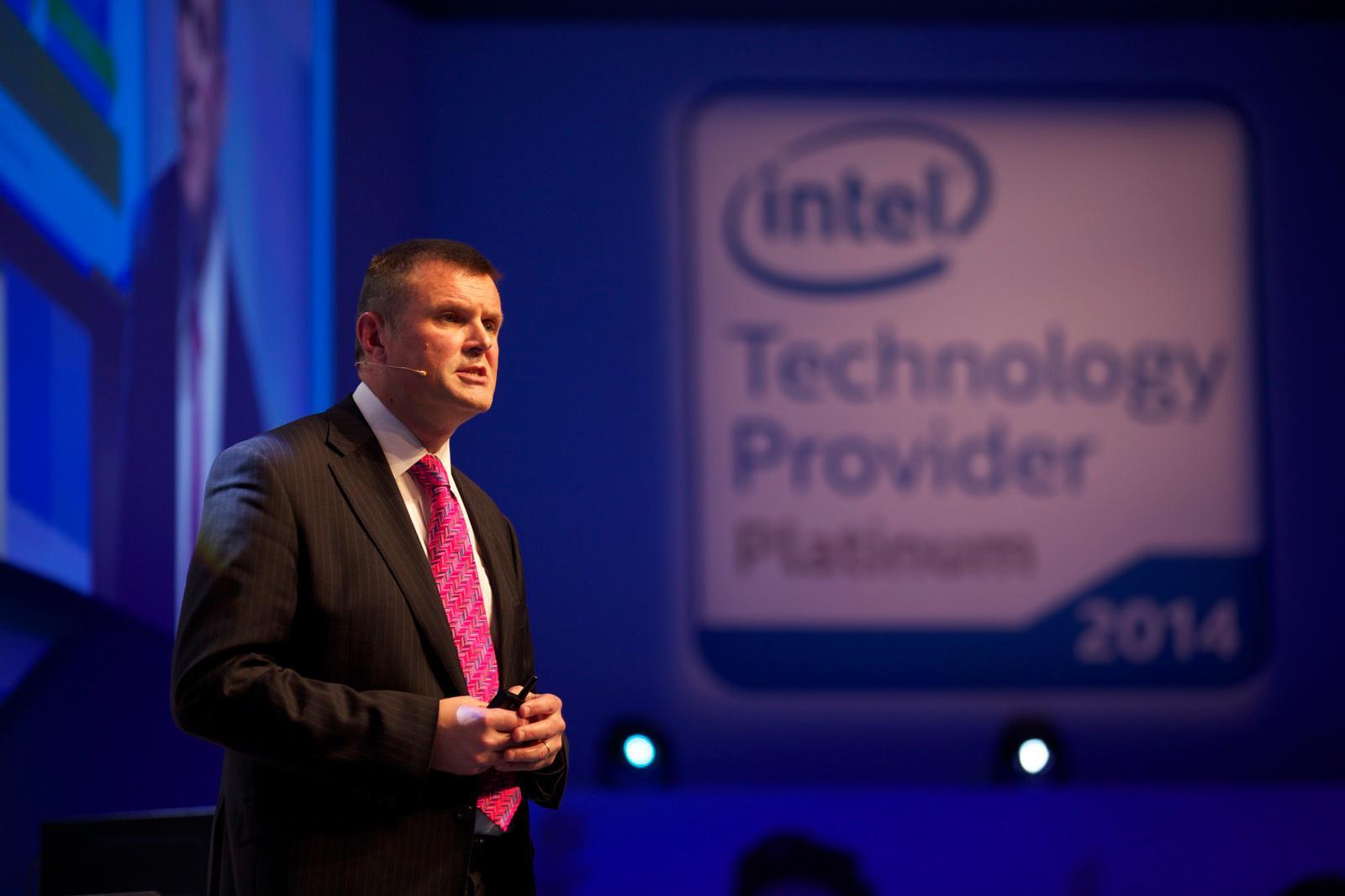 Rod O'Shea kom med en klar oppfordring til de samlede bedriftslederne.Foto: Intel