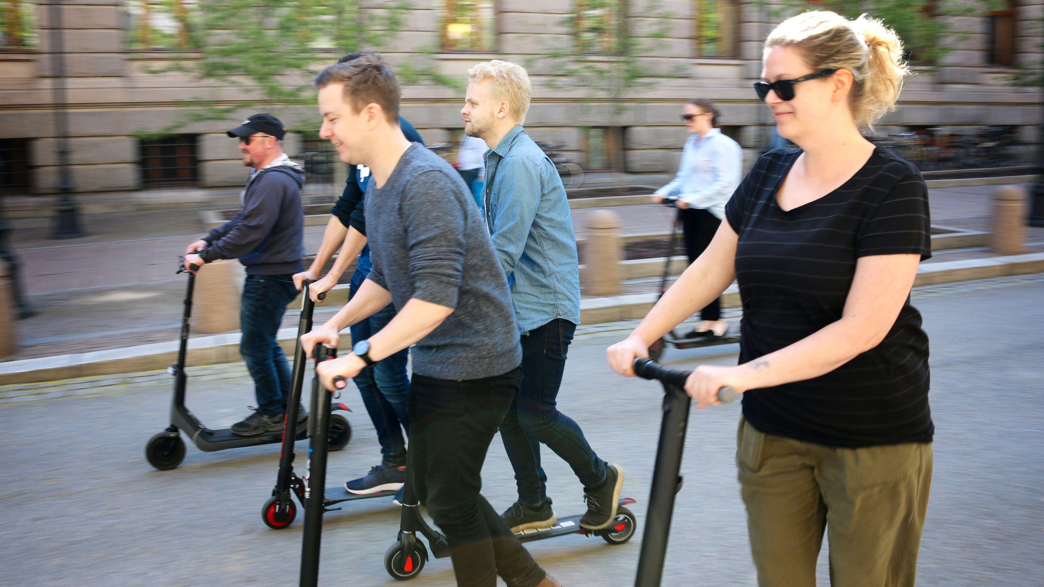 Regjeringen: Ikke aktuelt å endre reglene for elsparkesykler