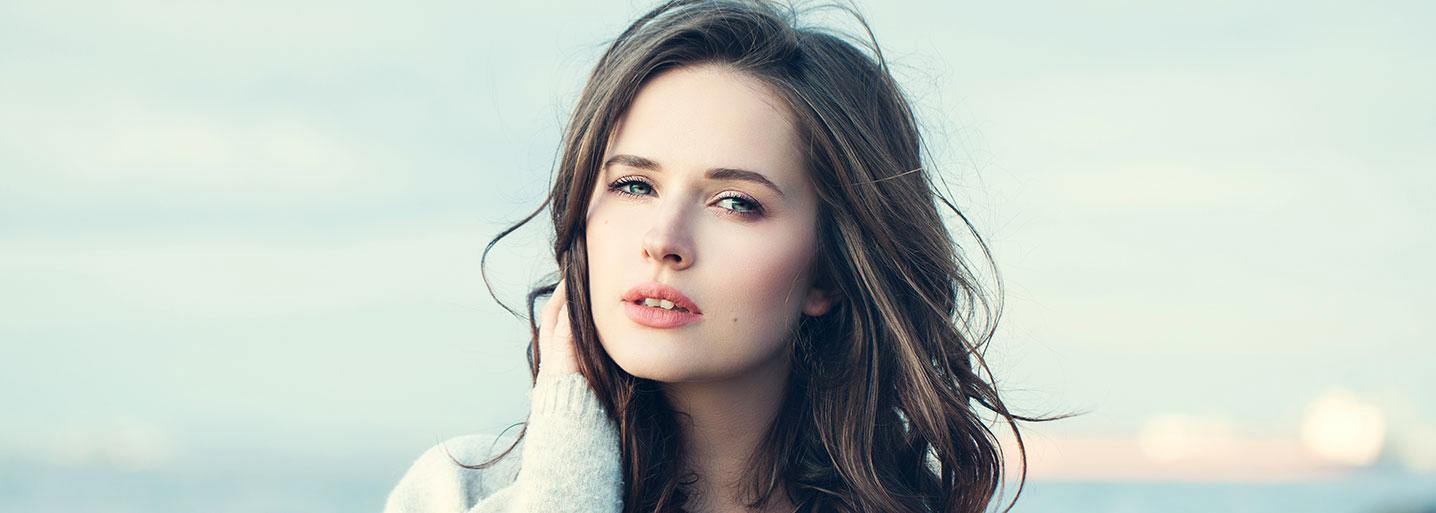 Personer med vågigt hår har ovala hårsäckar.