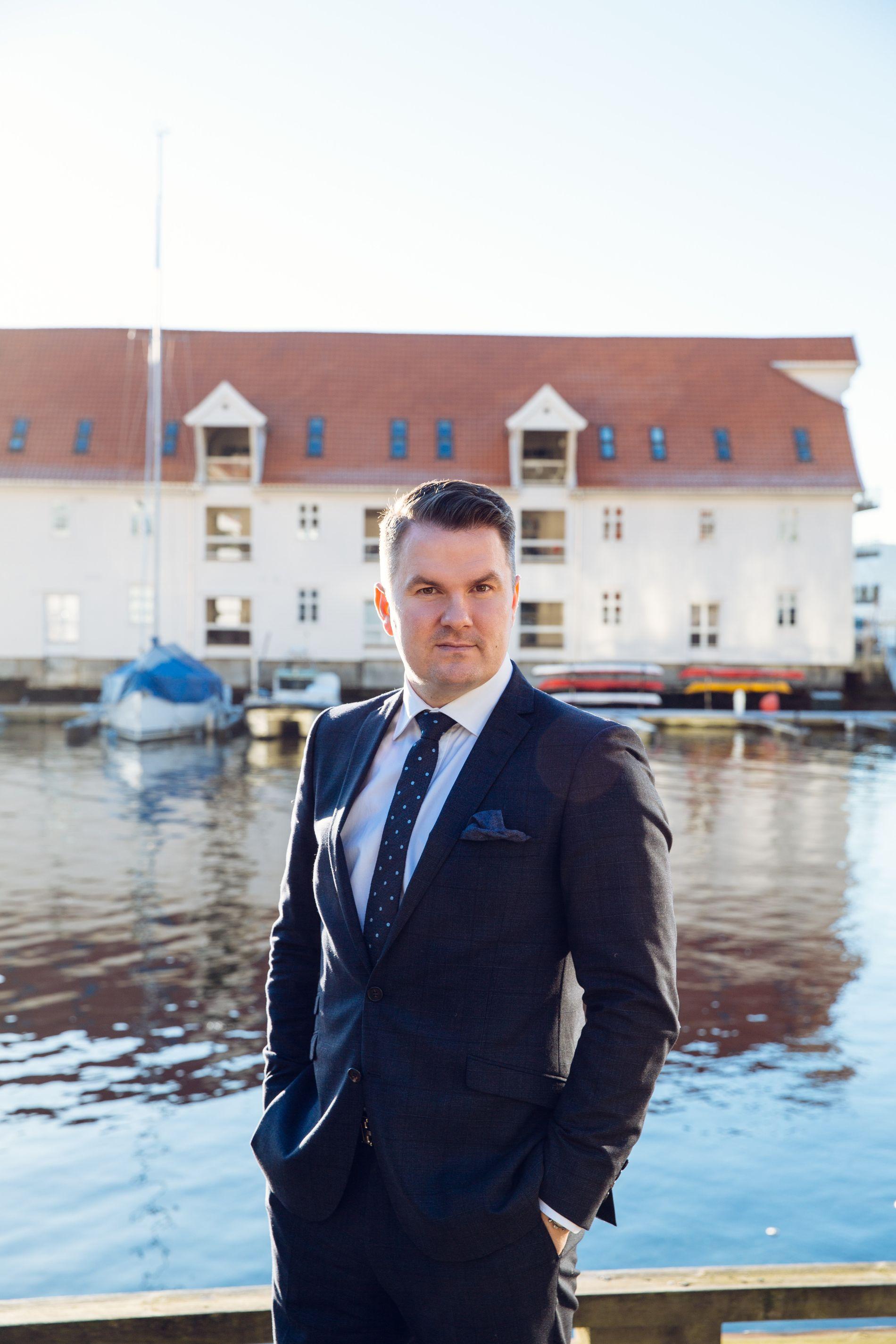 Einar Strand, Eiendomsmegler MNEF / Partner
