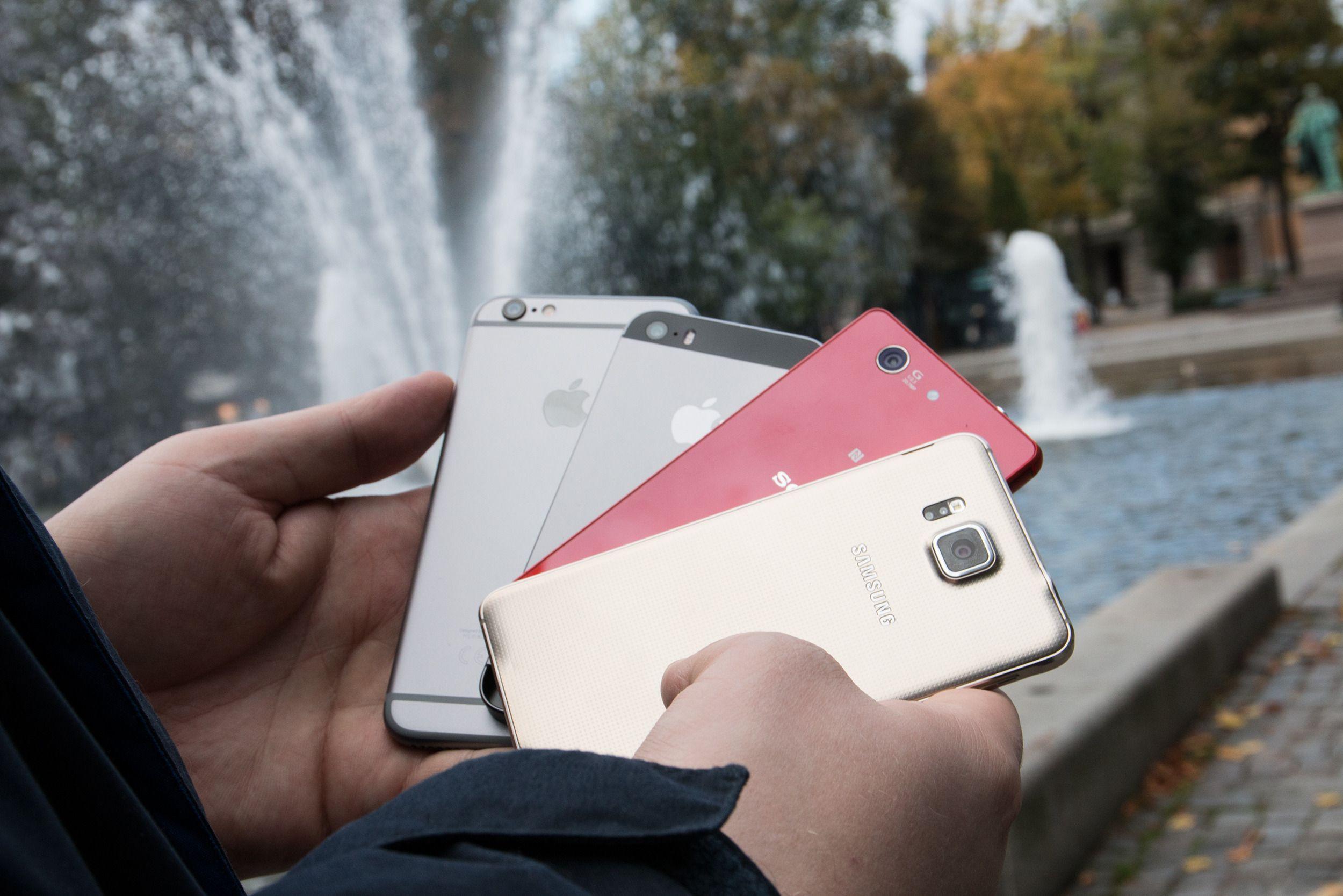Vi måtte naturligvis også sammenlikne litt med vanlige iPhone 6, og de nærmeste konkurrentene.Foto: Jørgen Elton Nilsen, Tek.no