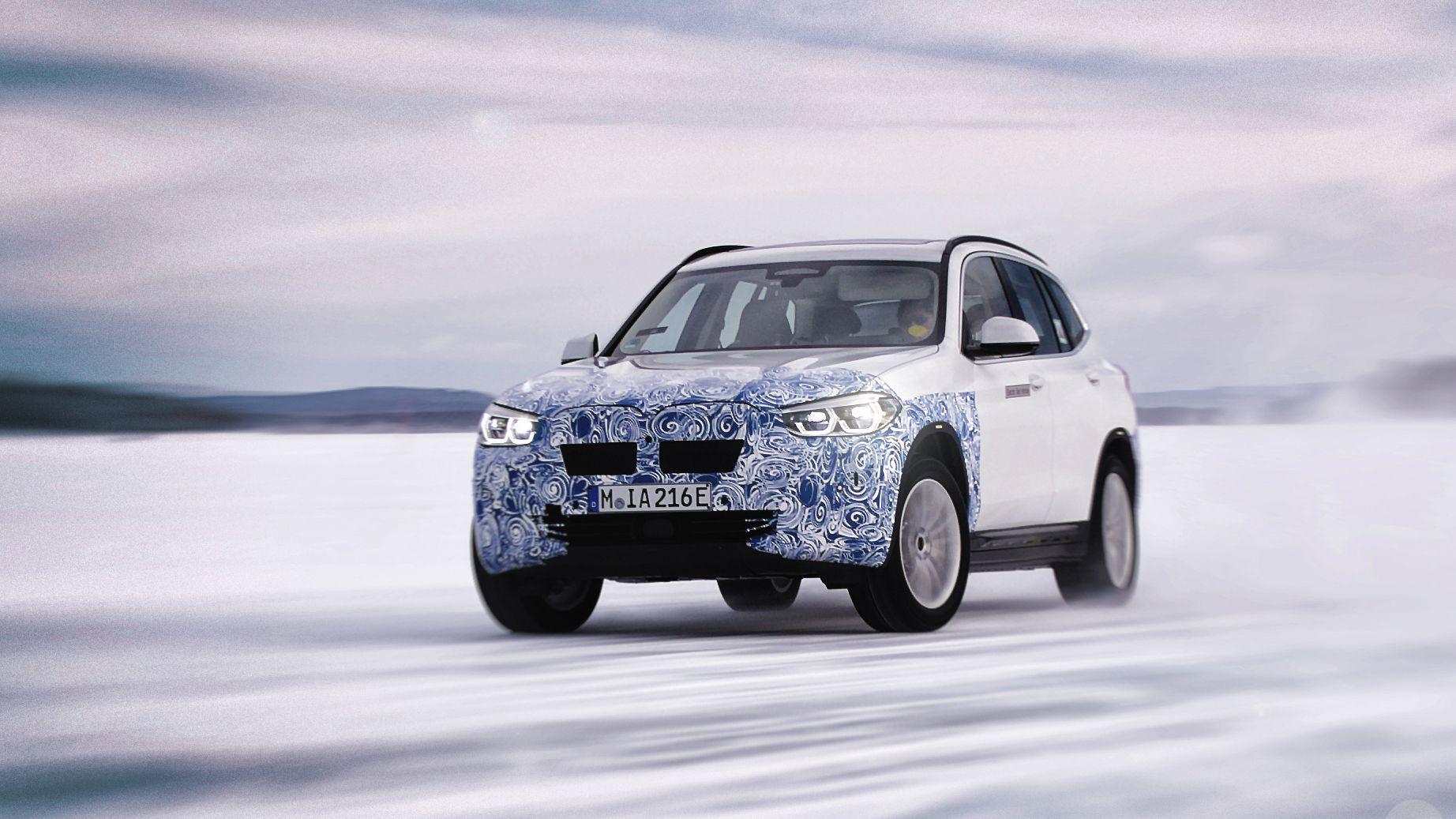BMW iX3 - her fra vintertesting i Arjeplog i Sverige.