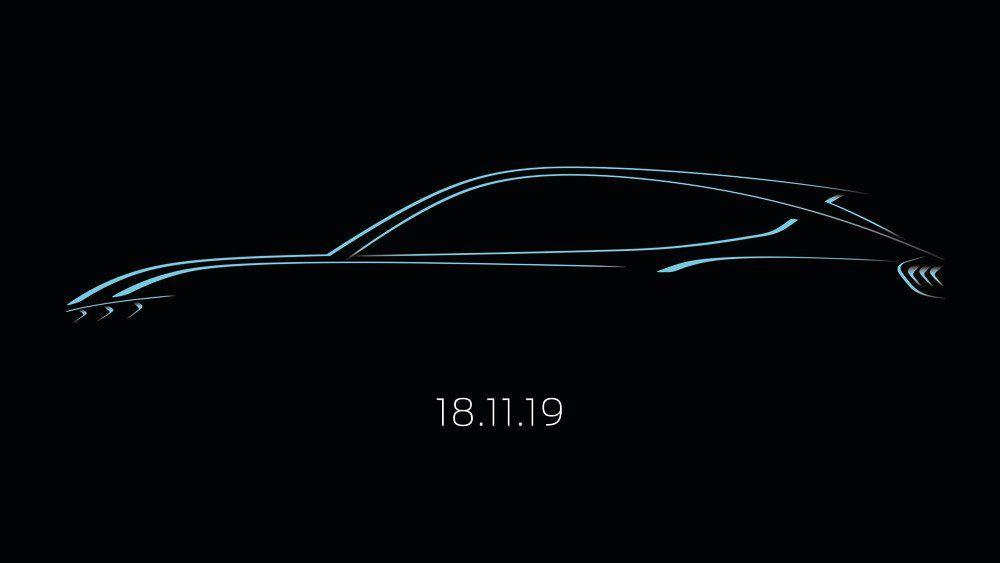 Ford varsler at navnet på den kommende elbilen blir Mustang Mach-E. Bilen lanseres natt til mandag norsk tid.