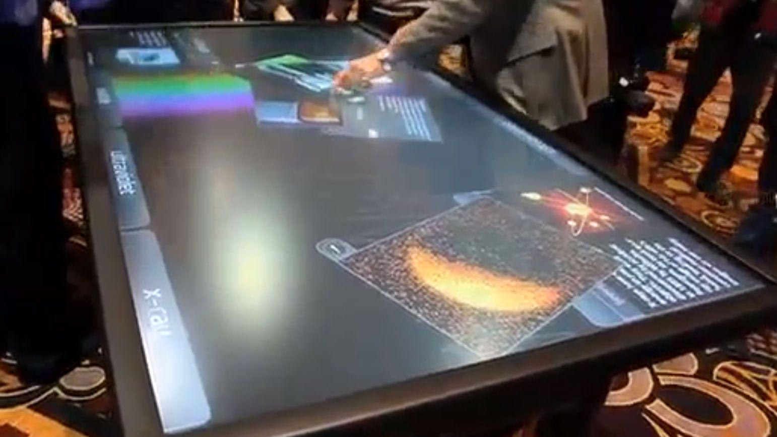 Enormt spisebord-nettbrett fra 3M
