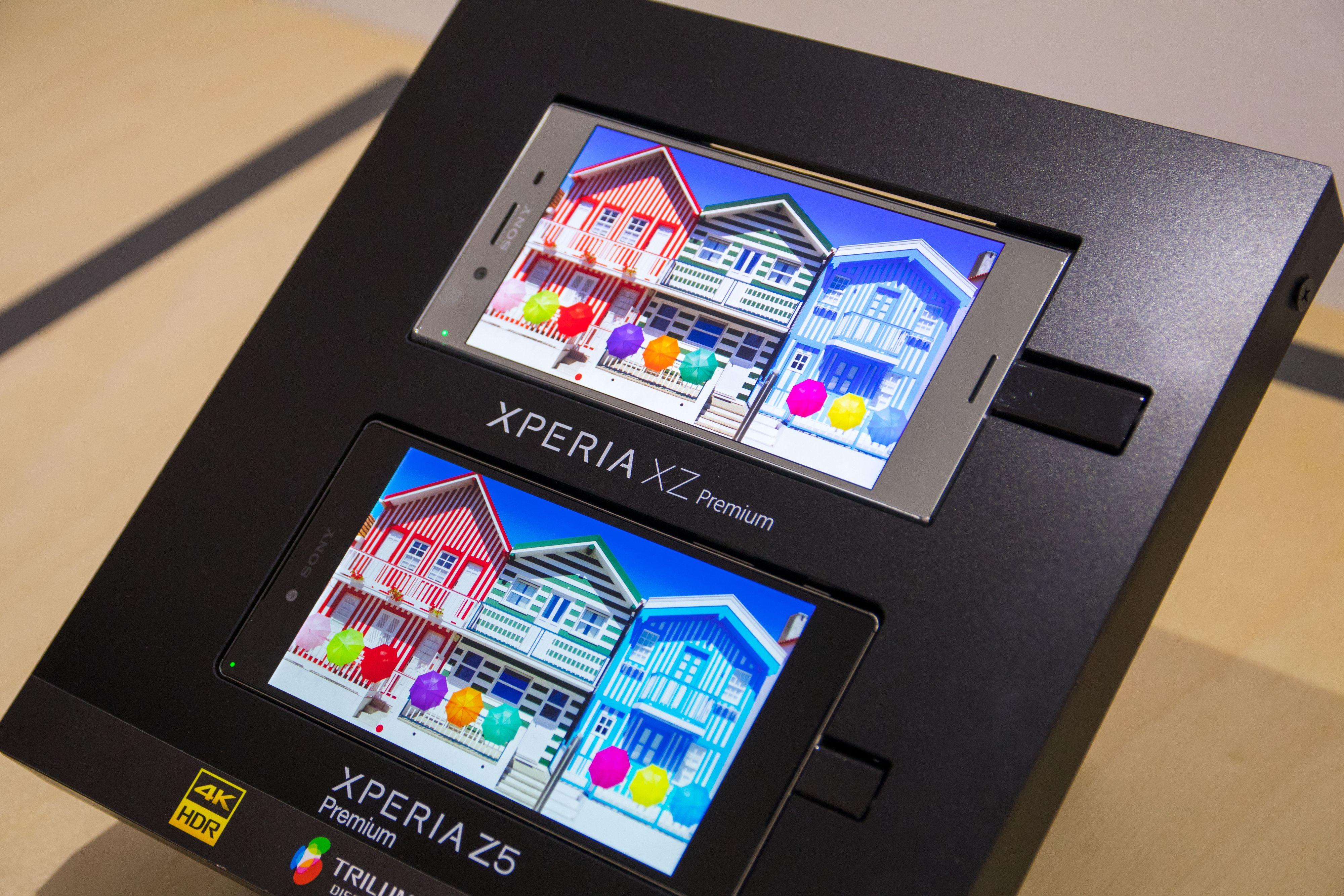 Sony viste frem fordelen med HDR-skjerm, som kan vise et større fargerom i tillegg til å være mer lyssterk. Nøyaktig hvor lyssterk fikk vi ikke vite, annet enn