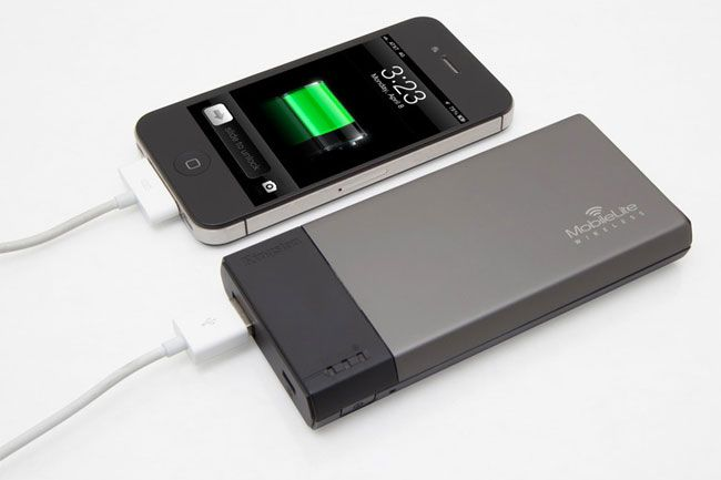 Kingston MobileLite Wireless kan også brukes til å lade mobilen din.Foto: Kingston