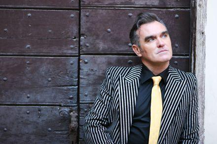 Morrissey føler at magasinet NME fremstiller ham som en rasist og går til sak.