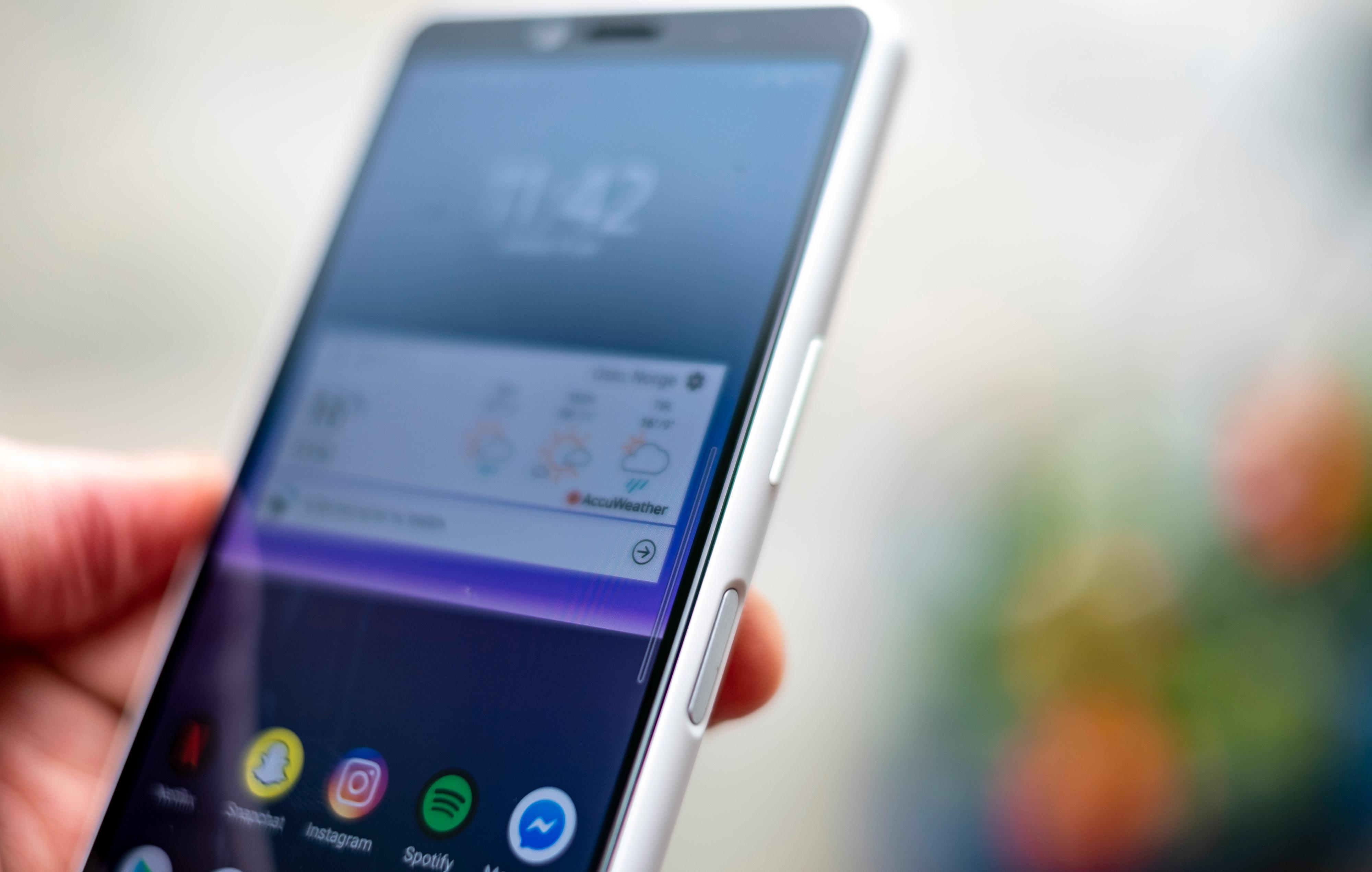 En frustrerende fingerleser er frustrerende enten den bor i en telefon som koster 4.000, som denne, eller i storebror Xperia 1 II som koster 12 høvdinger. Men til en langt mer fornuftig pris har vi også mer tålmodighet med irritasjonsmomentene.