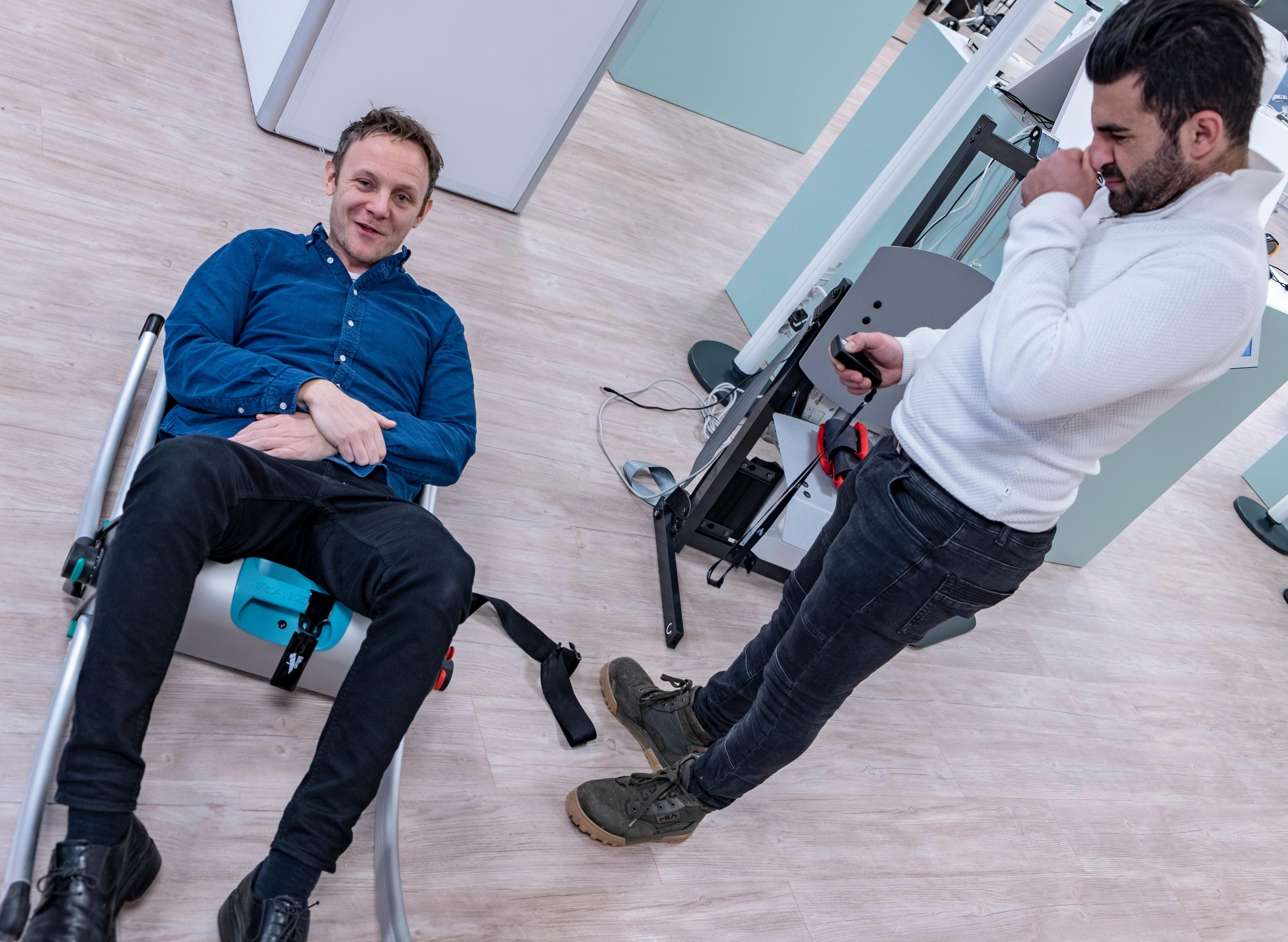 Jeppe Skjønberg og Sahrad Solaimani viser frem ny teknologi på Atri-X.