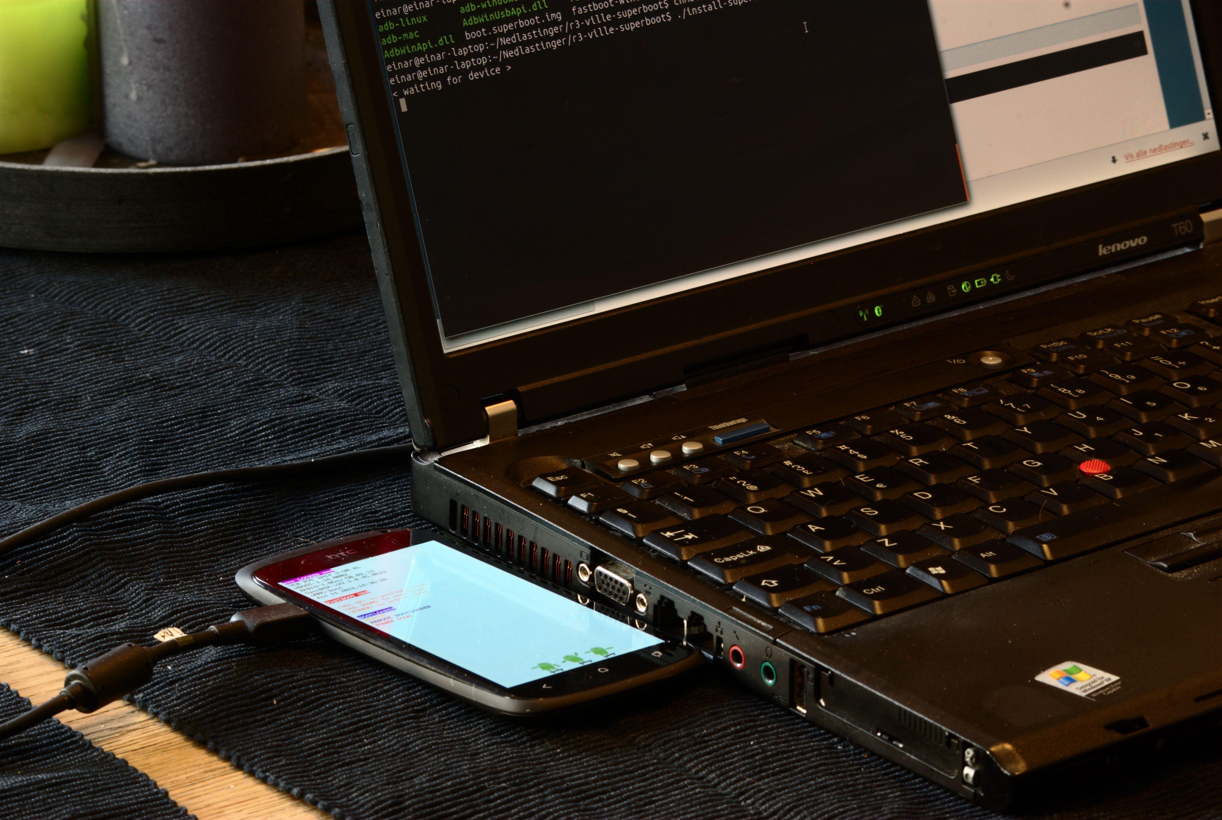 Det kan være lurt å bruke ADT (Android Development Tools) som er en del av Android SDK (Software Development Kit) for å fortelle mobilen hva den skal gjøre via en datamaskin. Foto: Einar Eriksen