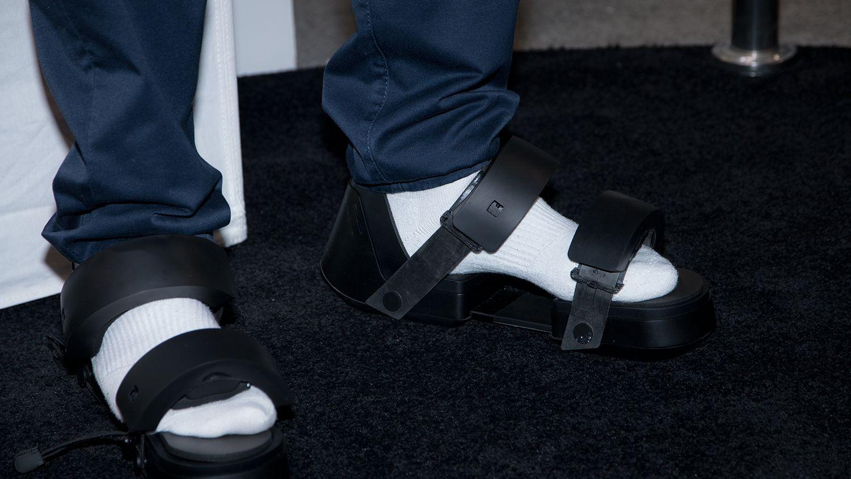 Glem VR-briller - her er VR-sandalene!