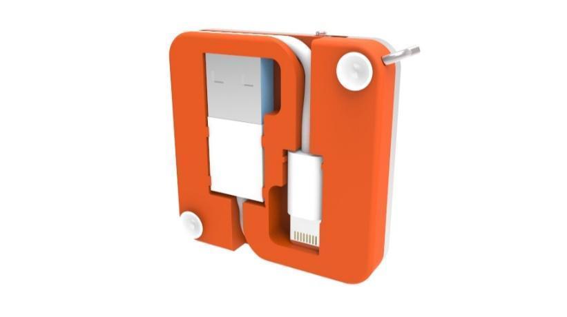 På undersiden har produsenten gjemt en USB-kabel, to knøttsmå sugekopper og en Lightning- eller MicroUSB-kabel, avhengig av hvilken variant du ser på. Foto: PKparis