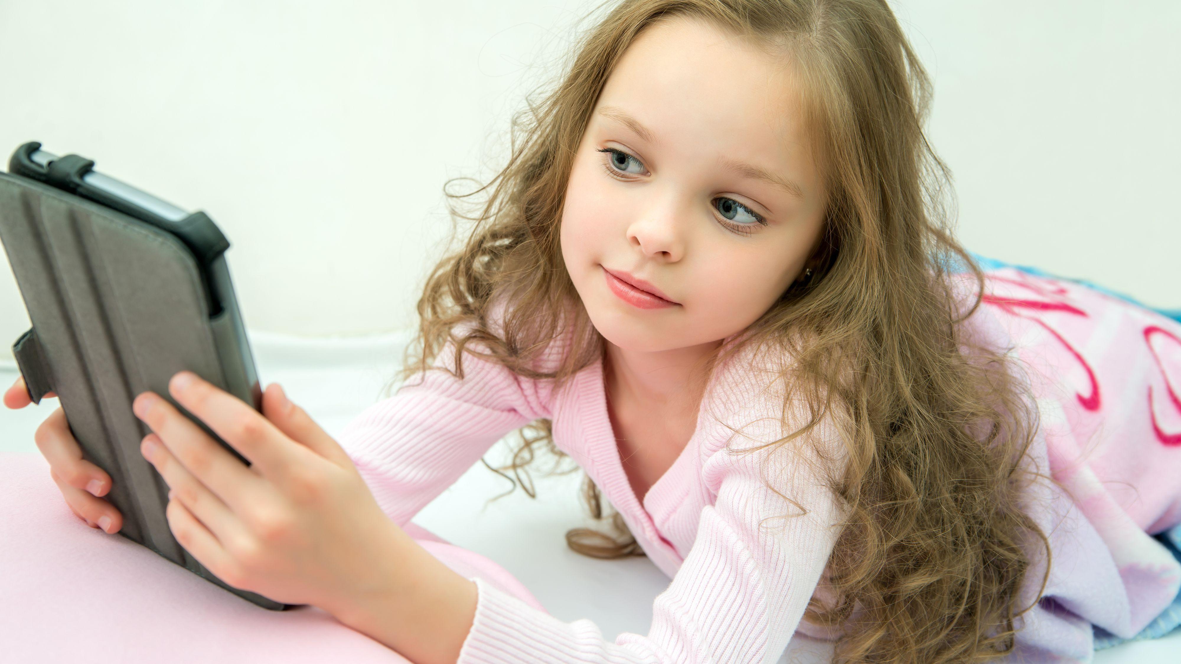 Nå blir det trygt å la barna bruke YouTube