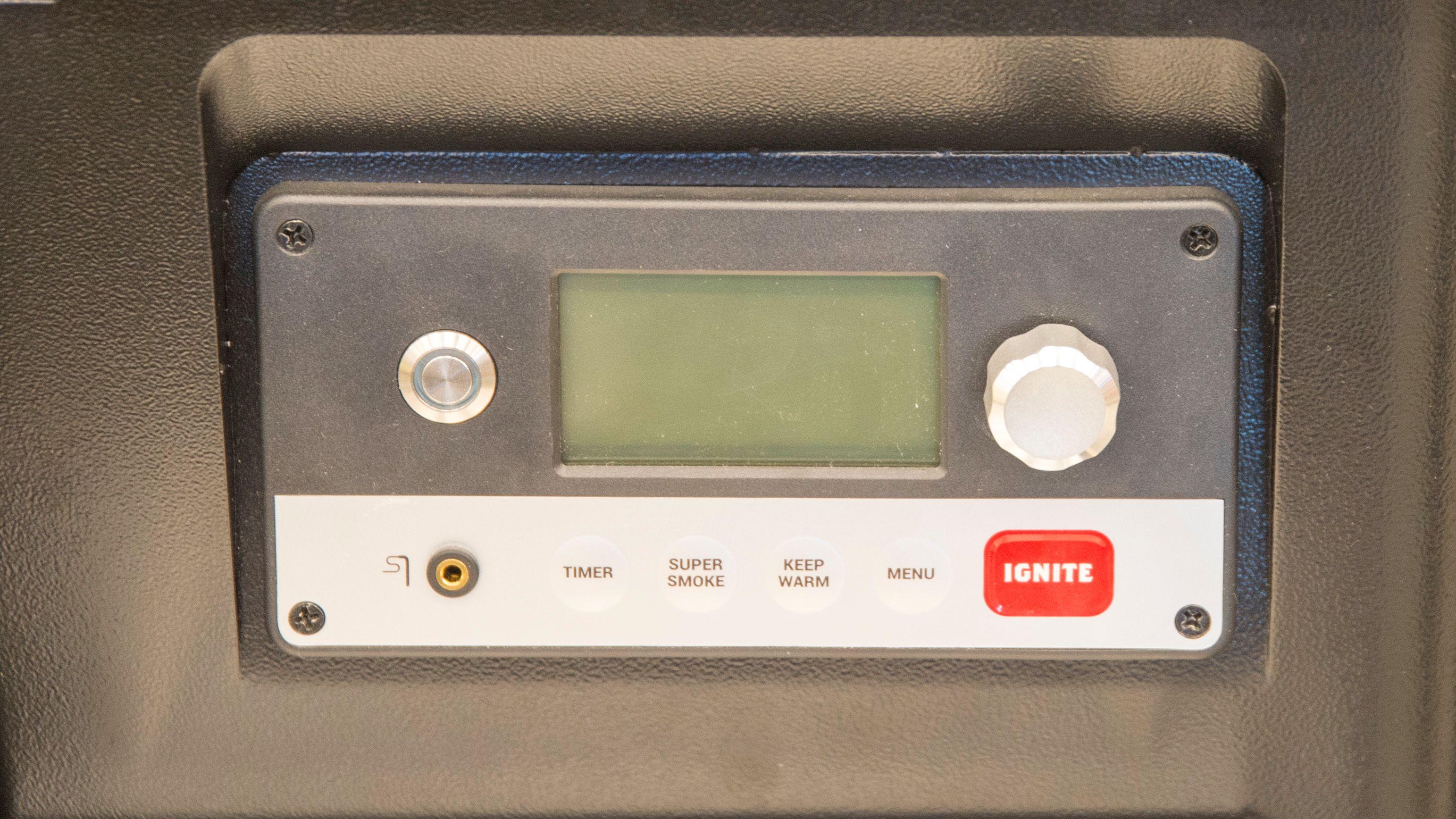 Med denne kontrolleren kan du koble grillen til det trådløse nettet ditt hjemme og kontrollere grillen via en app.