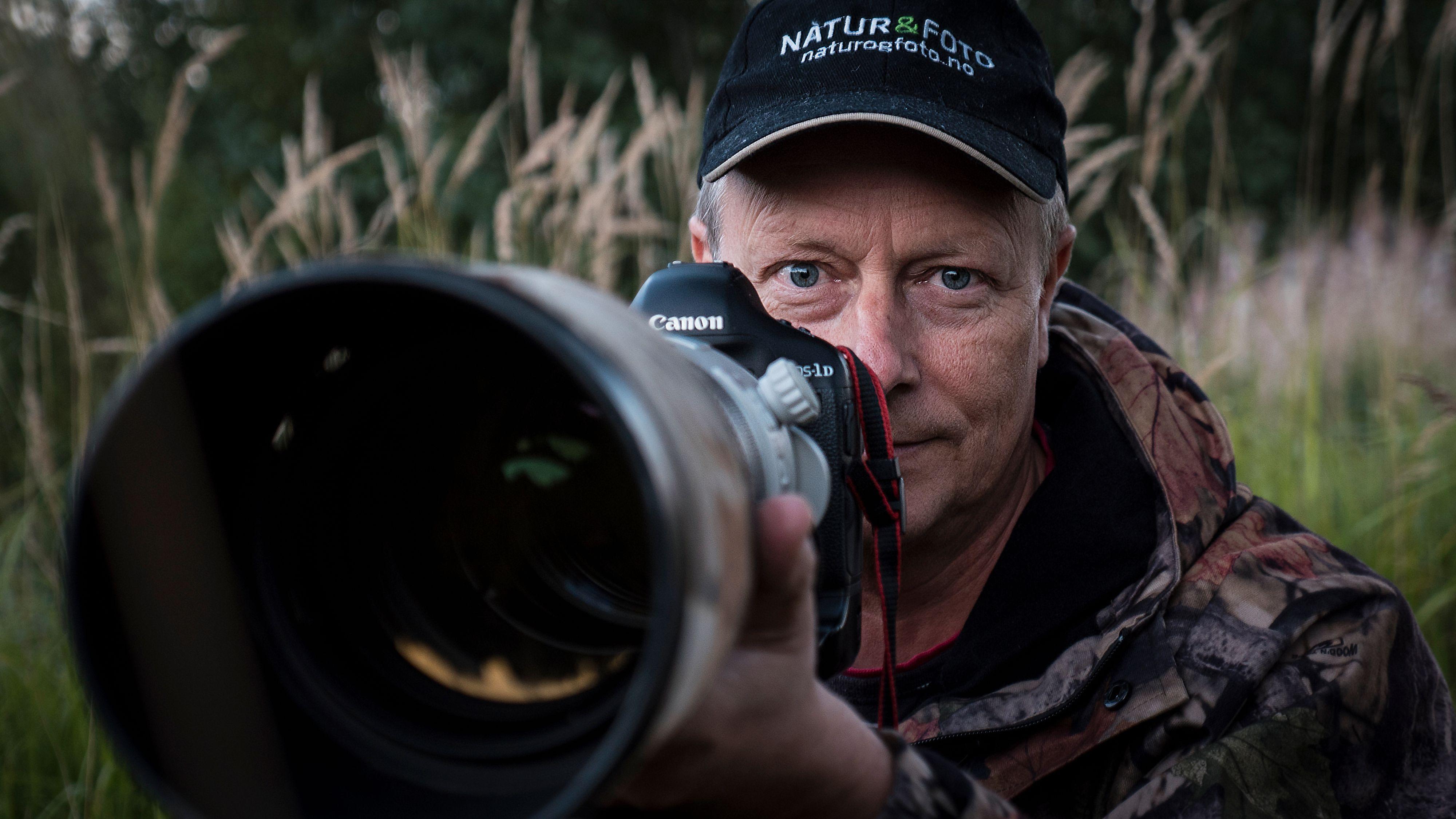 Baard Næss driver fotomagasinet Natur & Foto, har drevet med naturfotografi i en mannsalder, vunnet flere priser og skrevet flere bøker om natur og naturfoto. Foto: Kristoffer Møllevik