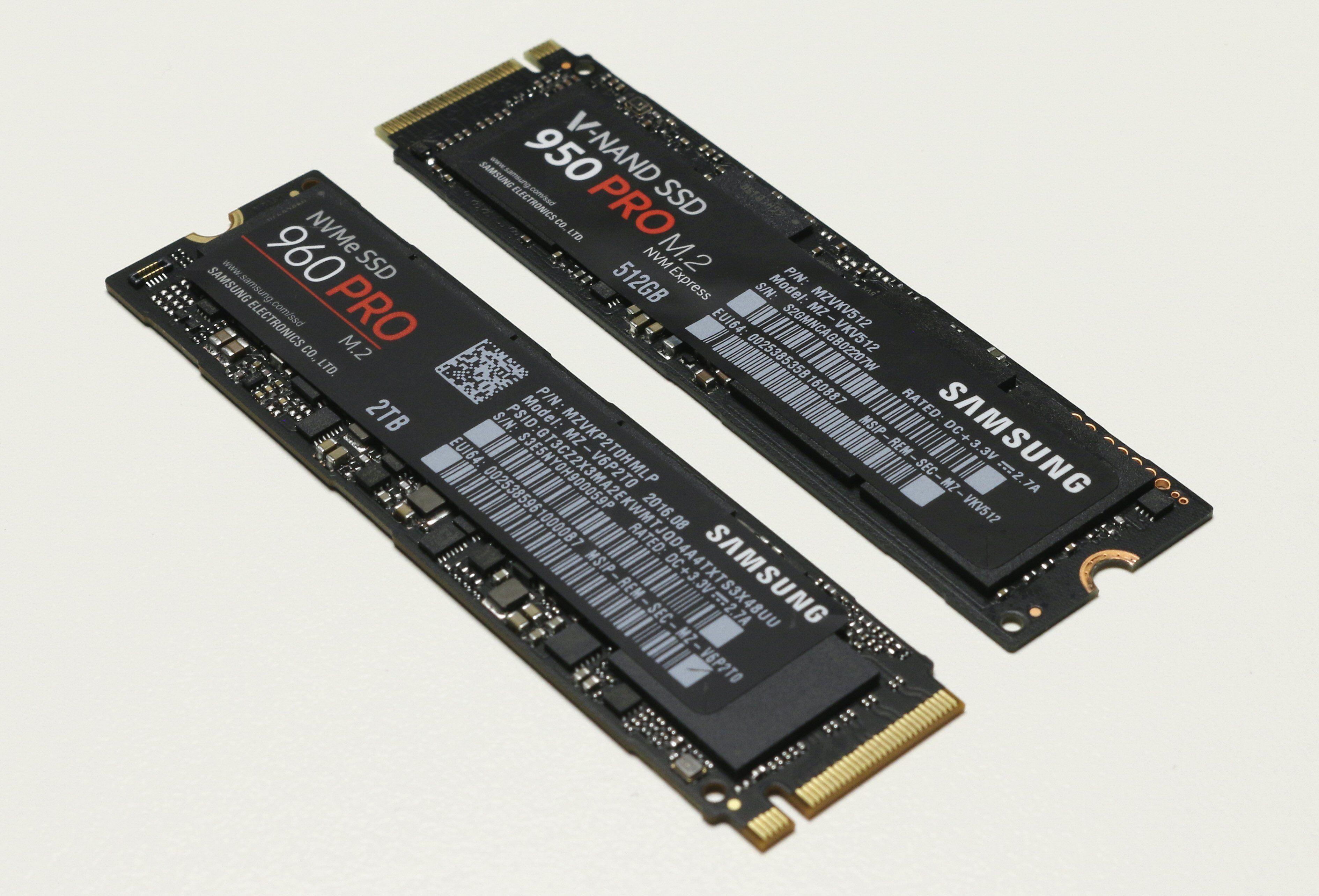 Kosmetisk sett er det ikke store forskjellene fra Samsung 950 Pro til 960 Pro. Men klistremerket over fronten har blitt snudd.