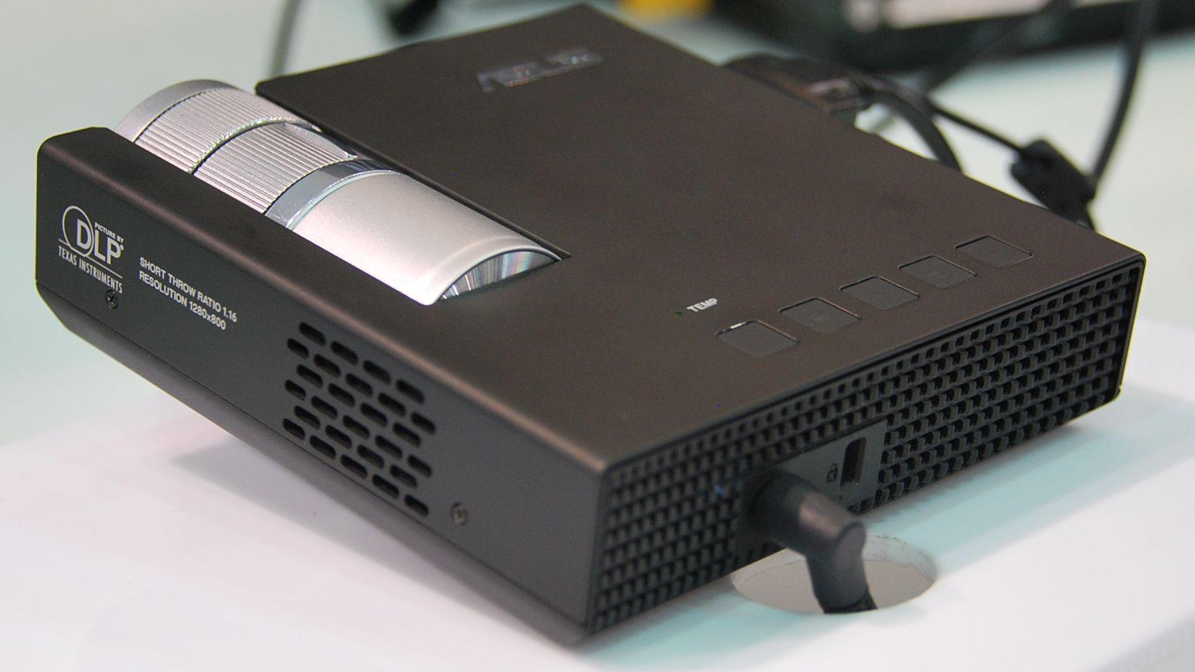 Glem VGA, DVI og HDMI. USB 3.0 er tingen