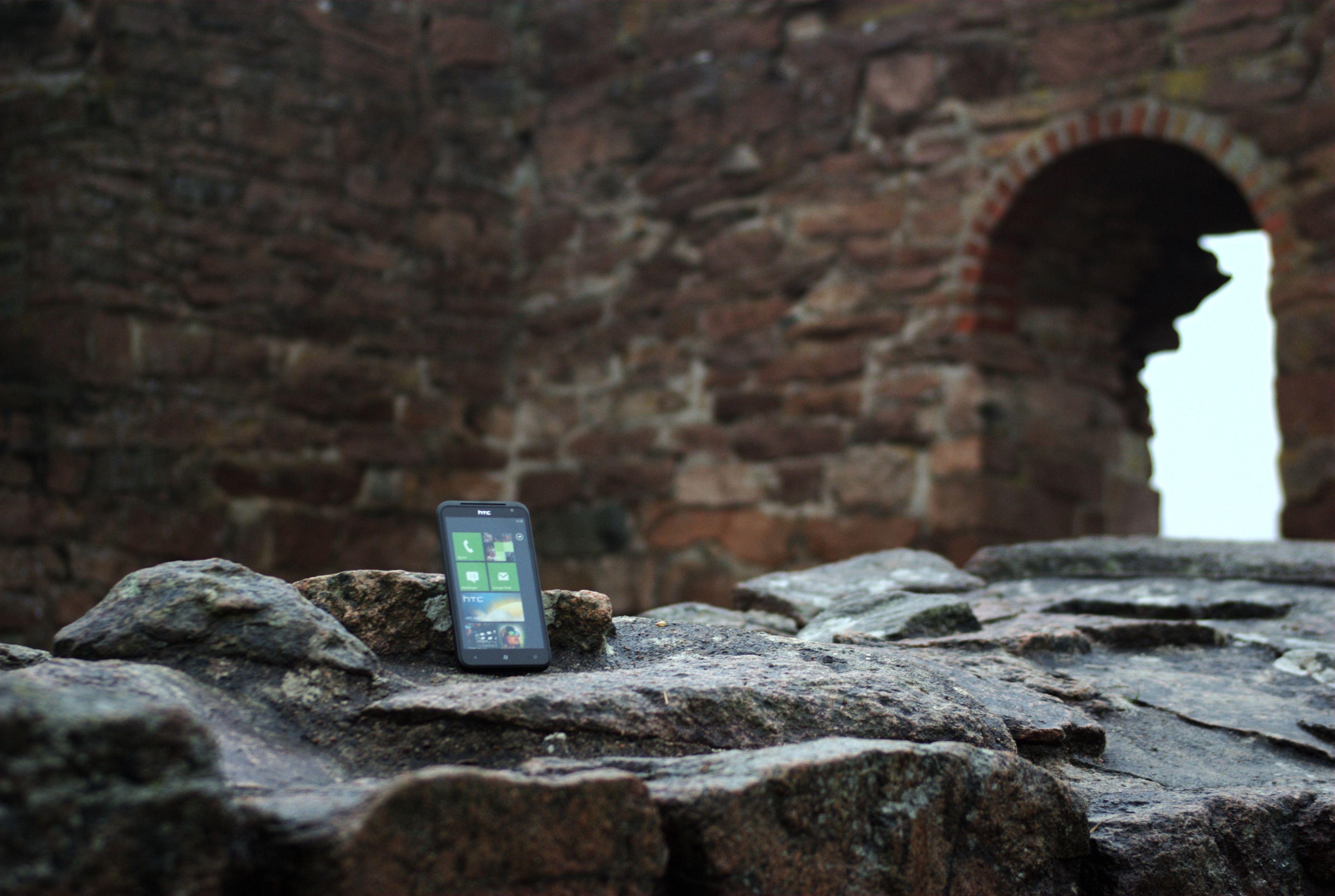 Windows Mobile var populært, men ligger nå i ruiner. Windows Phone 7.5 Mango er en lovende erstatter! (Foto: Einar Eriksen)