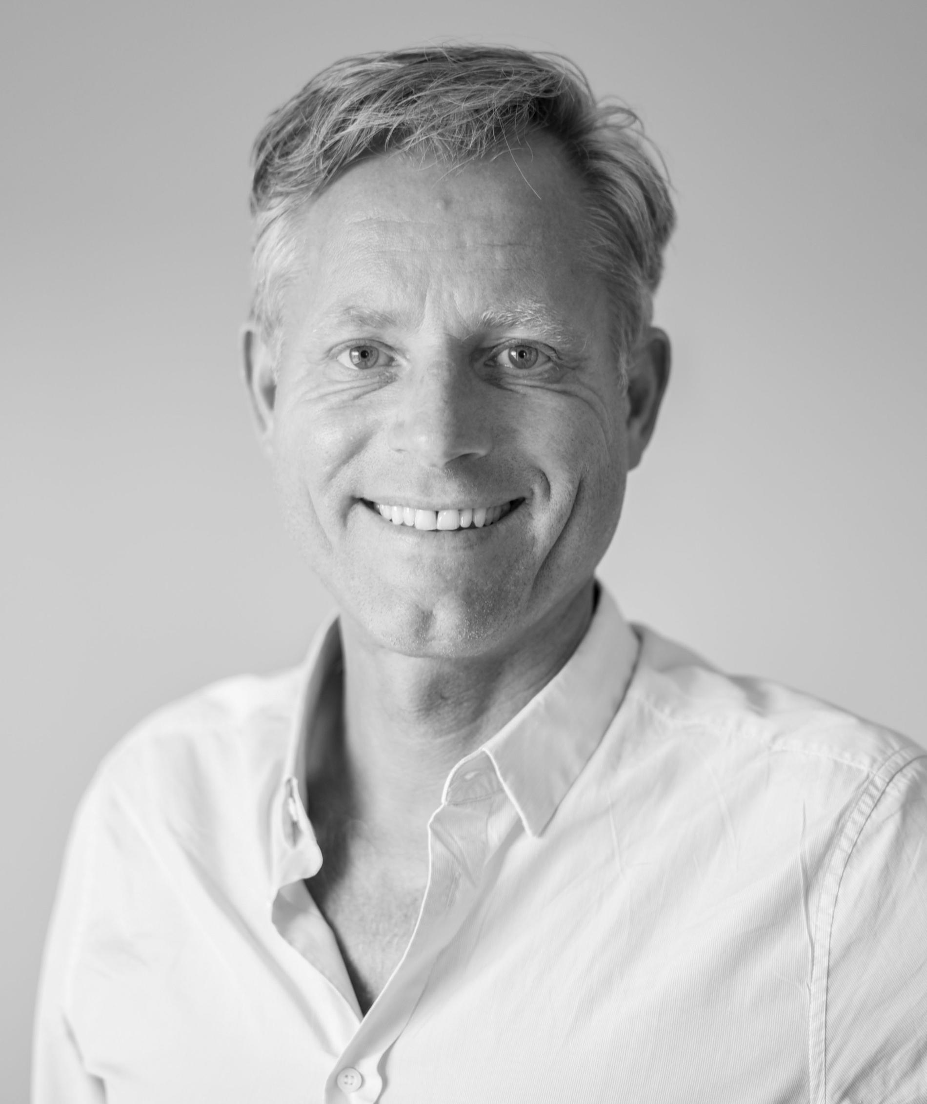Lars Armbäck är tandläkare och nationellt odontologiskt ansvarig över Smile Tandvård