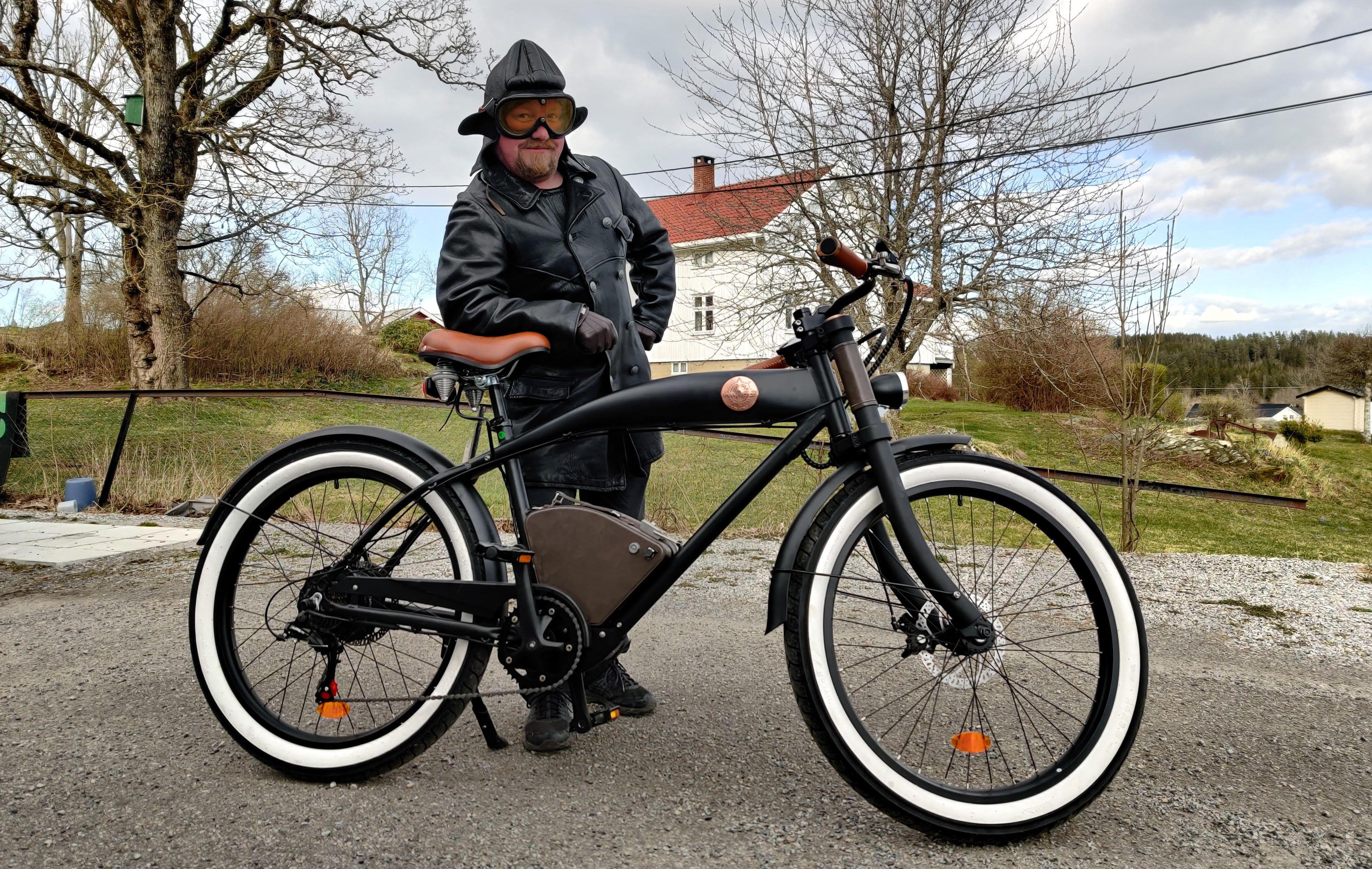 Rayvolt lager sykler for deg som digger retro. Her modellert av Teks egen Vegar Jansen.