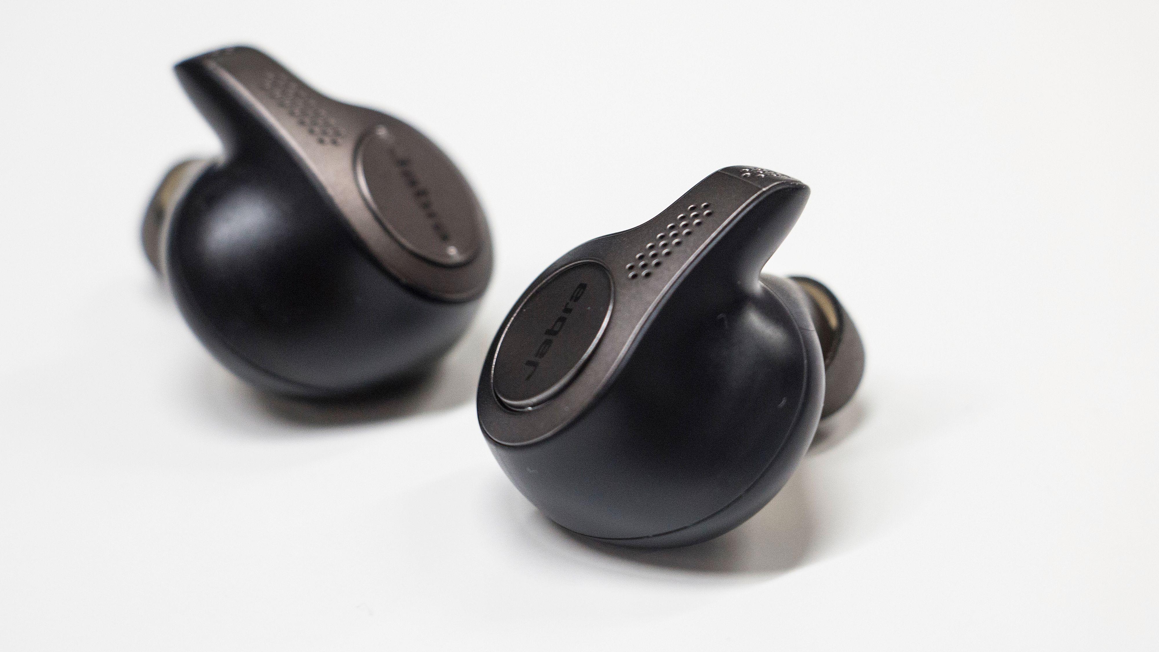 Jabra Elite 65t er et godt valg om du ser etter trådløse øreplugger til en ikke altfor dyr penge.