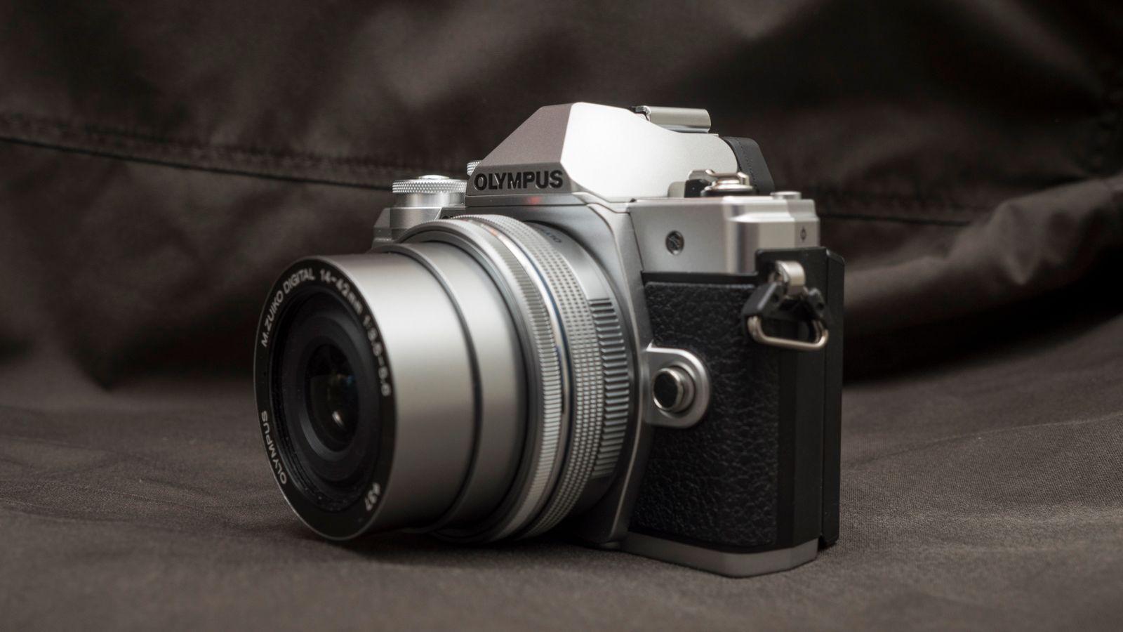 Du får valuta for pengene med E-M10 III, men Panasonic GX80 er et litt rimeligere alternativ med mye av de samme mulighetene. Bilde: Kristoffer Møllevik