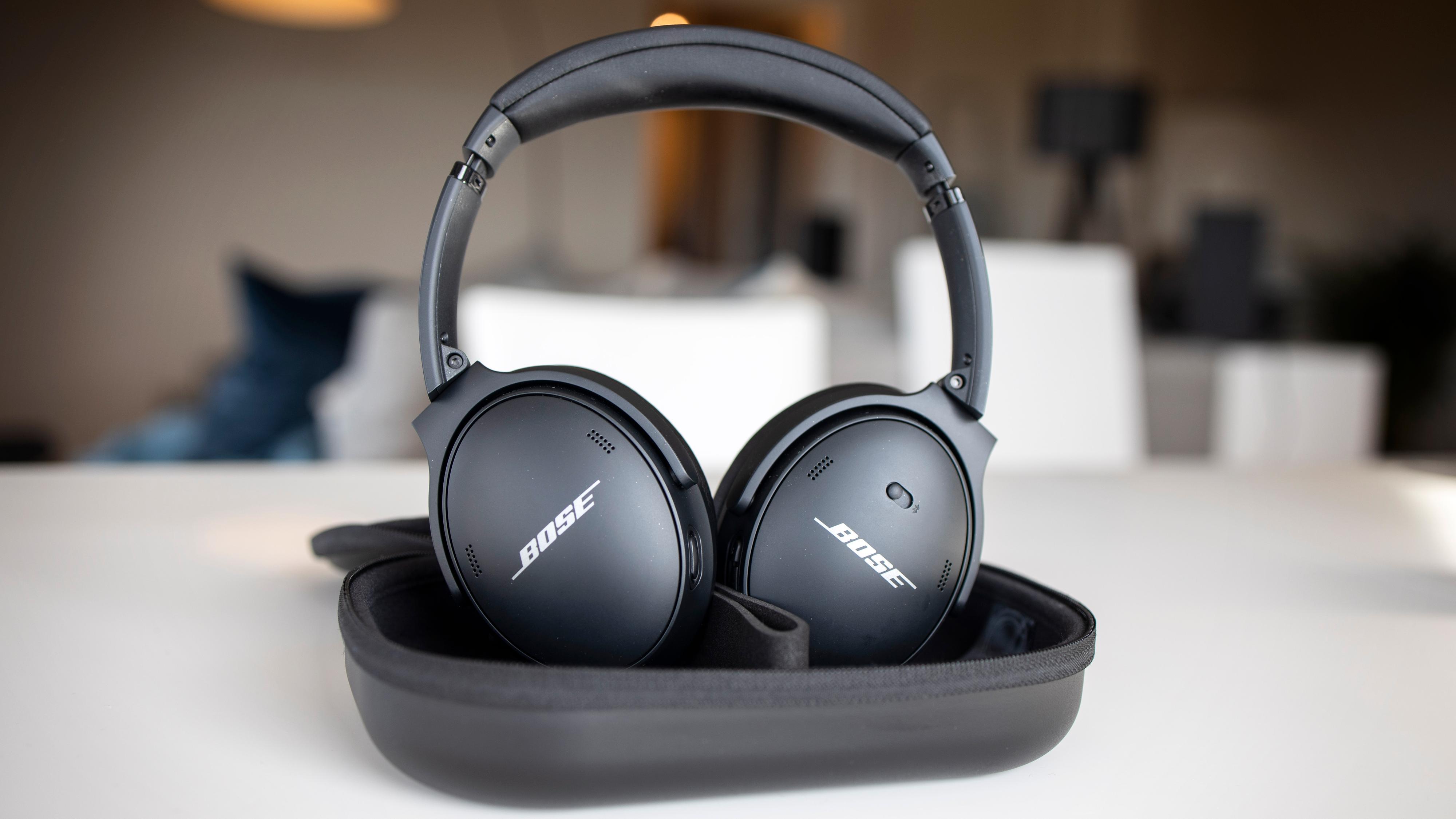 Ser det kjent ut? Bose viderefører designet fra tidligere QuietComfort-hodetelefoner, men har oppdatert teknologien inni.