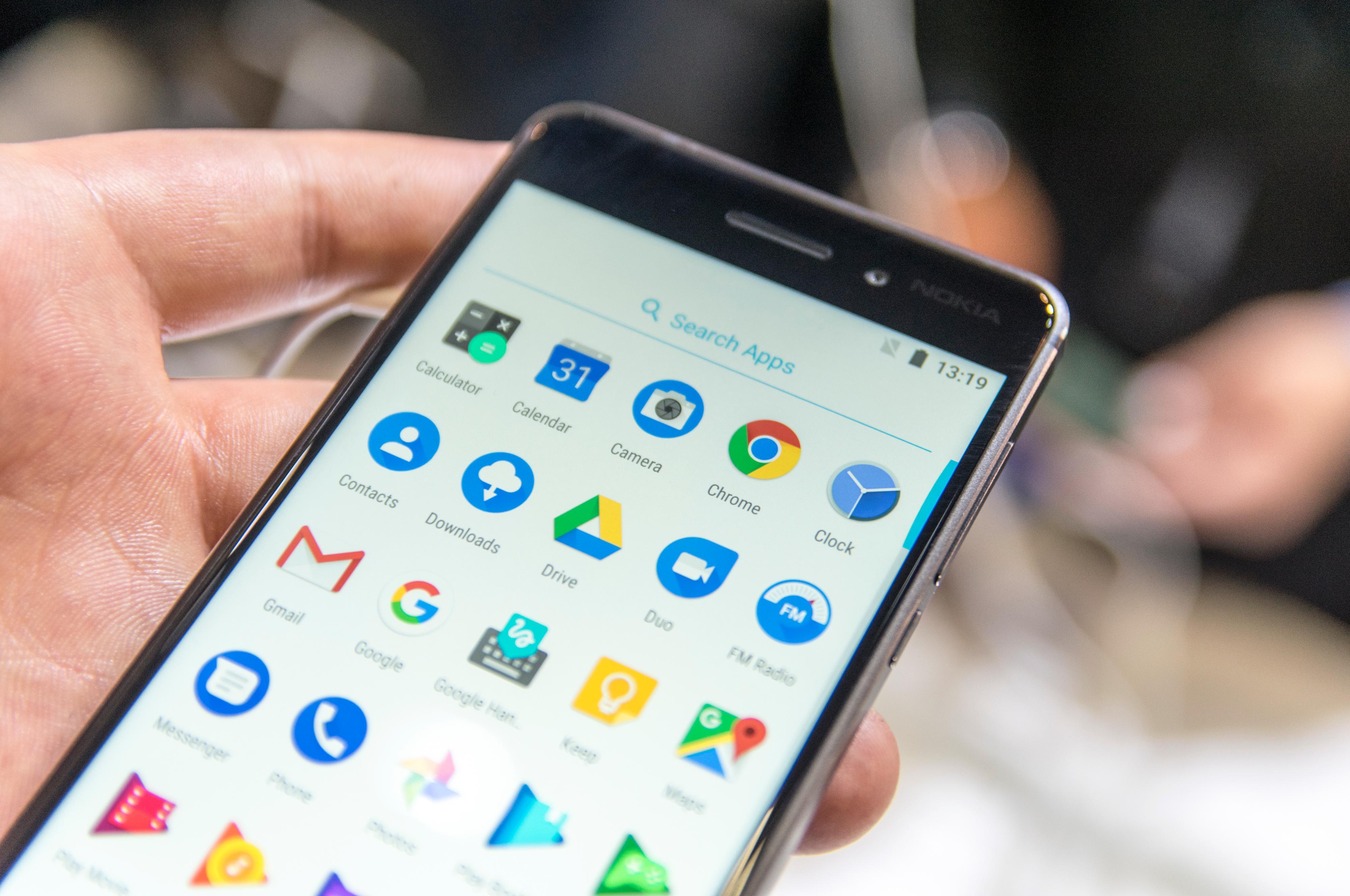 Helt ren Android 7.1.1 betyr lynrask respons og en litt annerledes appskuff.