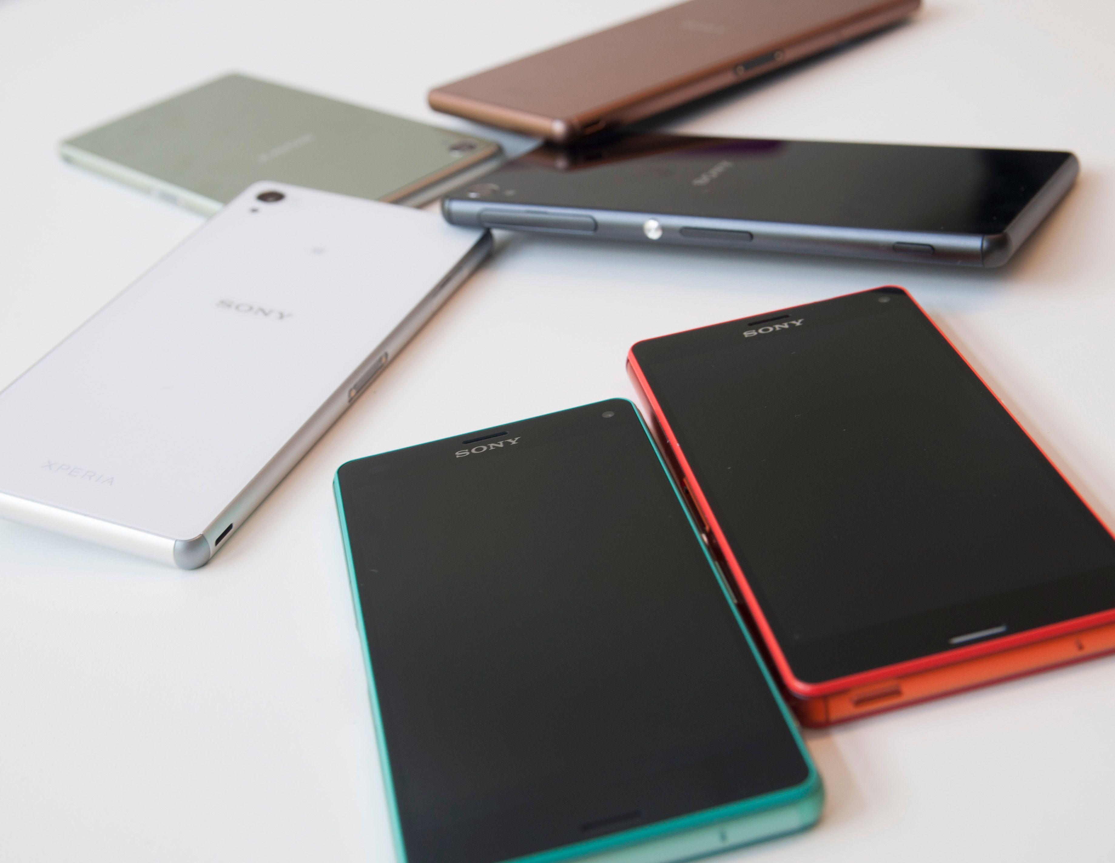 De nye Sony-mobilene kommer i en rekke forskjellige farger.Foto: Finn Jarle Kvalheim, Amobil.no