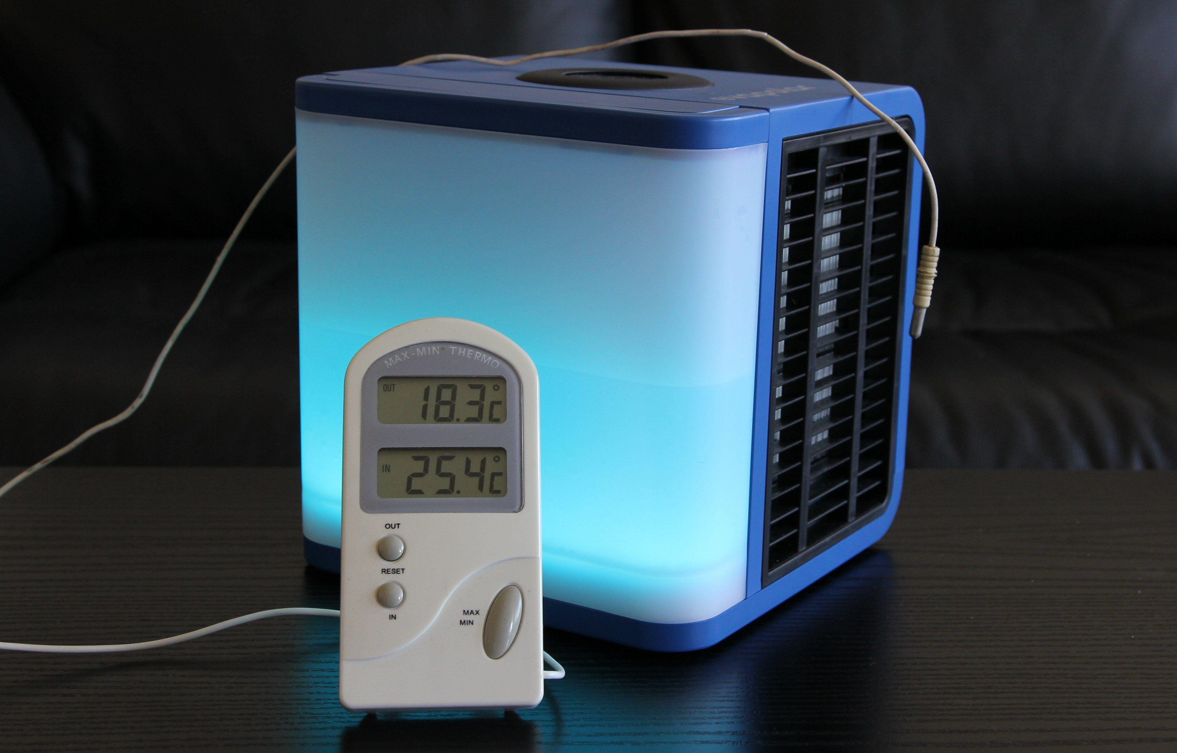 Også vårt gamle inne-/utetermometer var enig i at Evapolar EV-1000 faktisk fungerer.