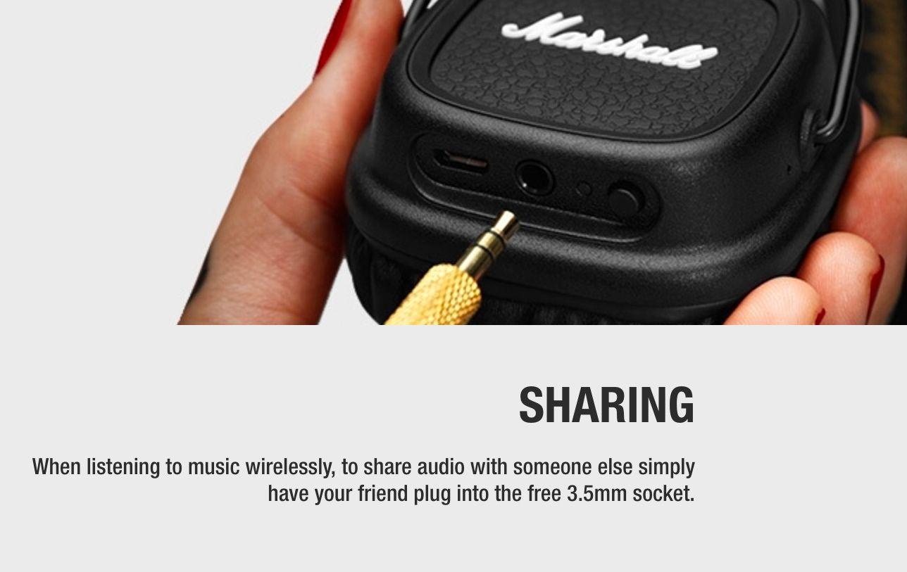Marshalls trådløse hodetelefoner kan alle dele signalet via minijack-tilkobling.