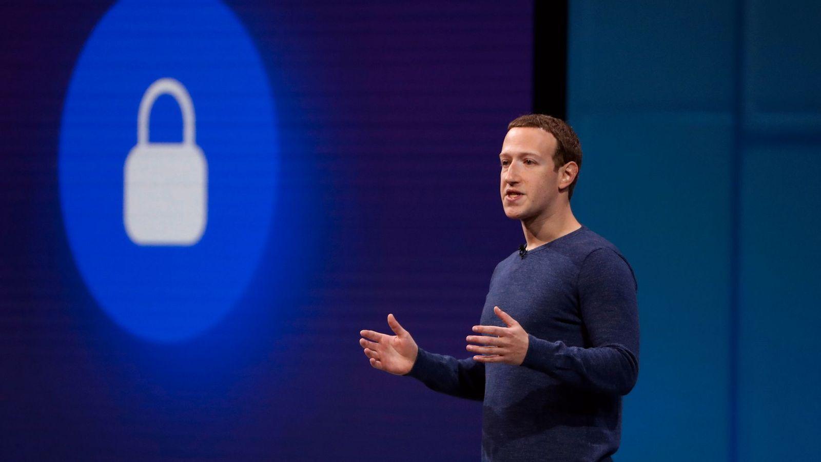 Facebooks Mark Zuckerberg under en av selskapets utviklerkonferanser.
