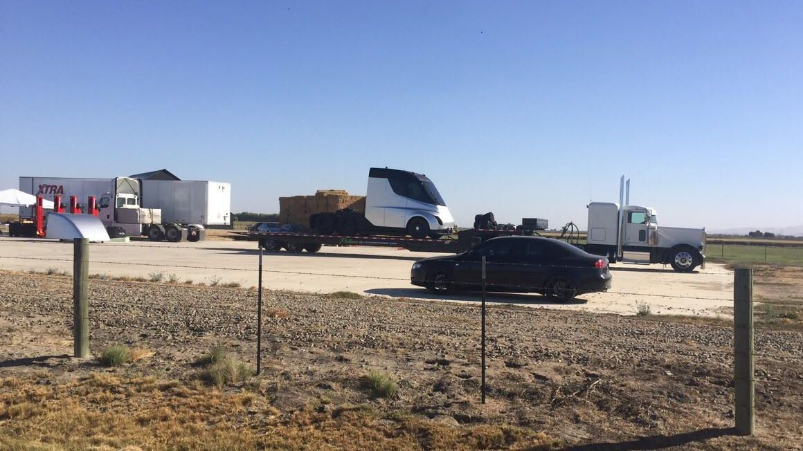 Tesla utsetter Semi-lansering – skylder på Model 3-trøbbel