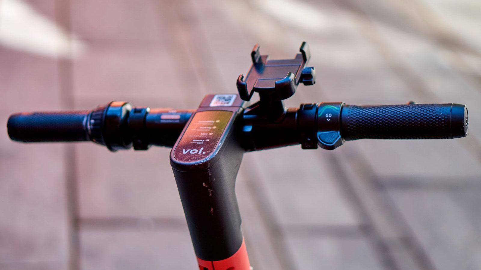 Voi følger Lime – lanserer månedskort på elsparkesykkel