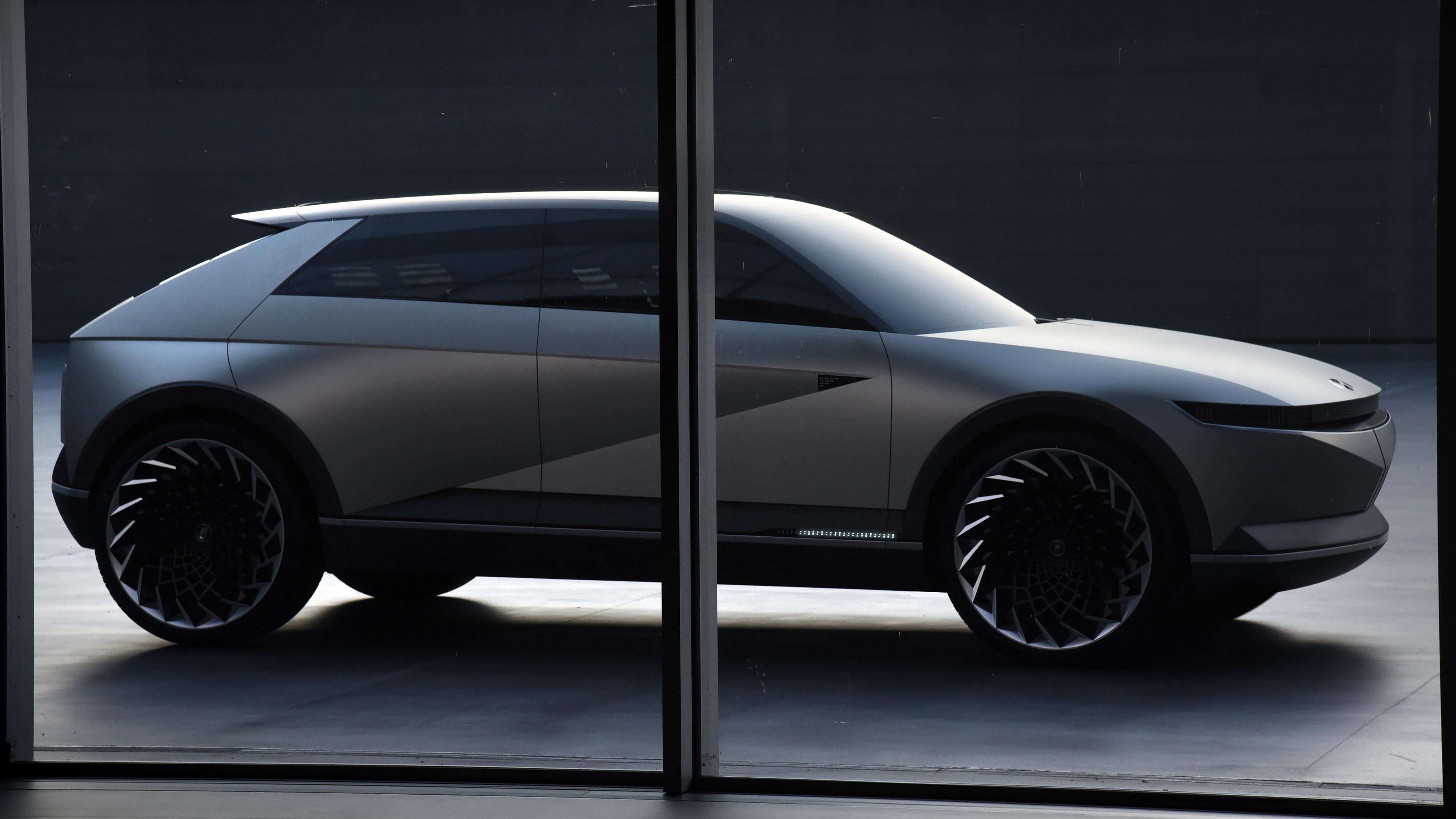 Hyundais Ioniq 5 vil by på både lynrask og toveis lading