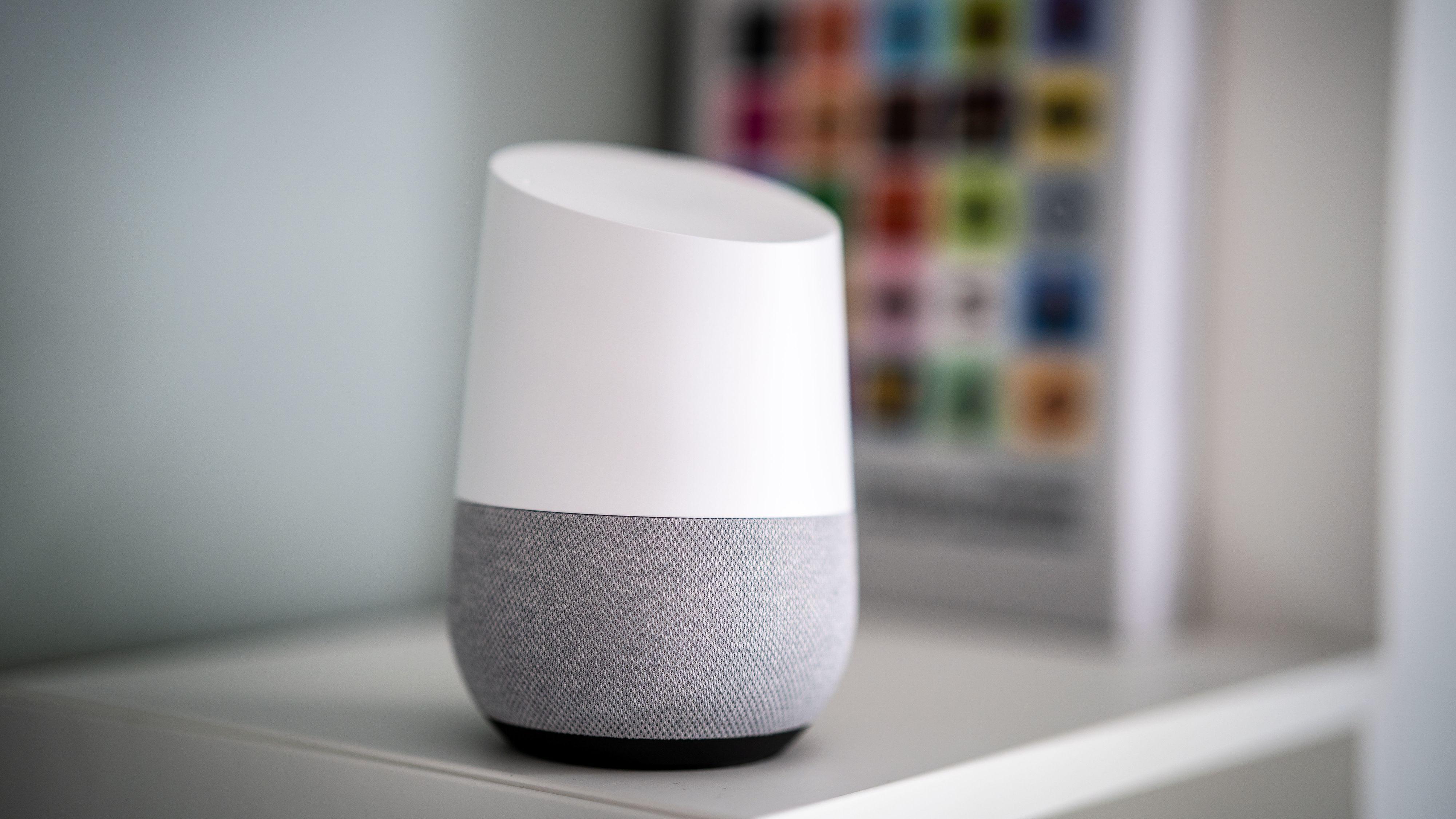 Google-ansatte kan lytte på opptak fra smarthøyttaleren din