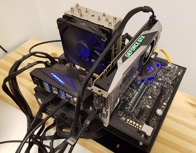 De heftigste hovedkortene vil ha et X-brikkesett. Her ser vi Asus Crosshair VI Hero med X370 under testingen av en Ryzen-prosessor.