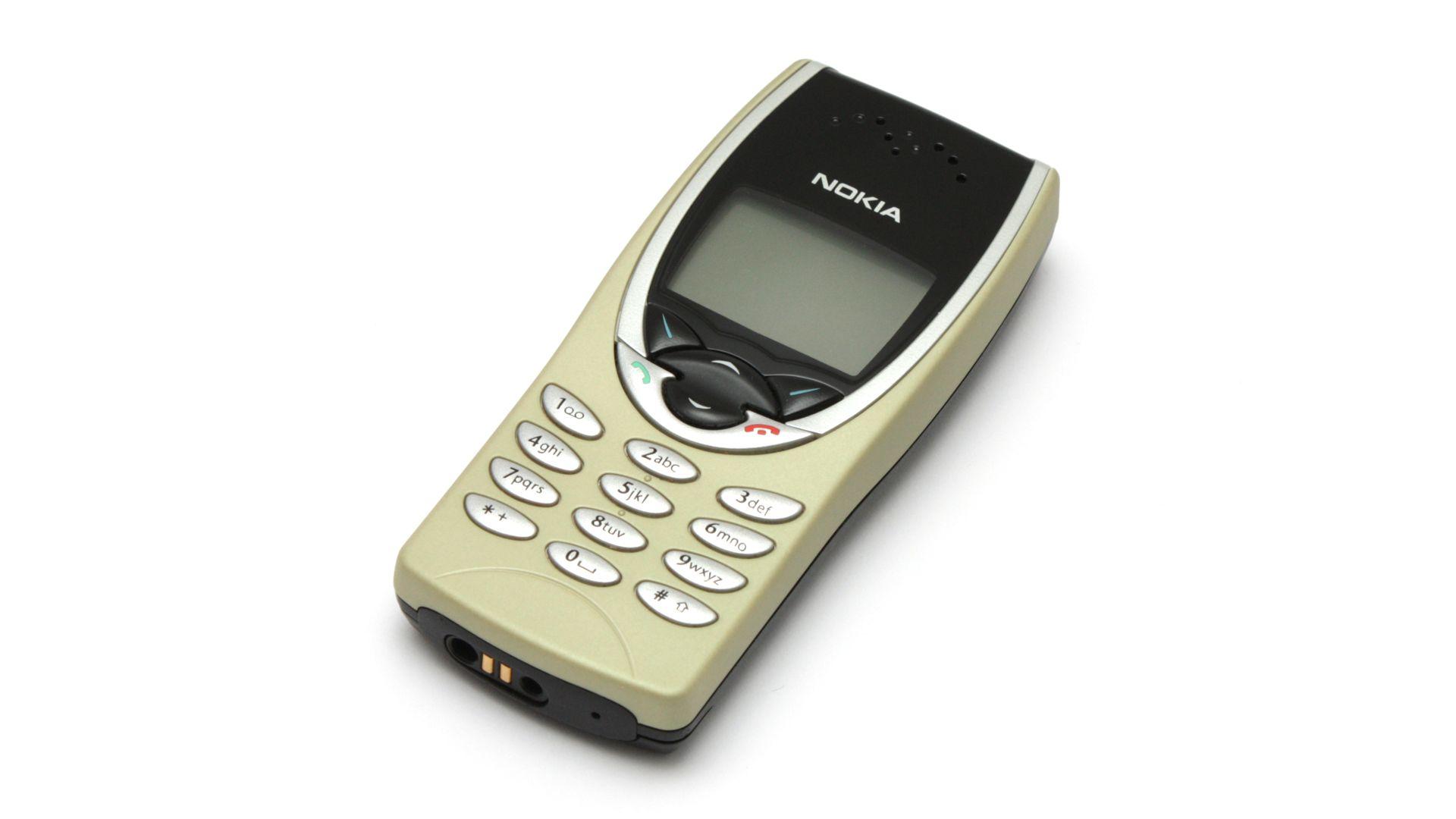 Nokia 8210 var mindre enn andre mobiler og ble svært populær.