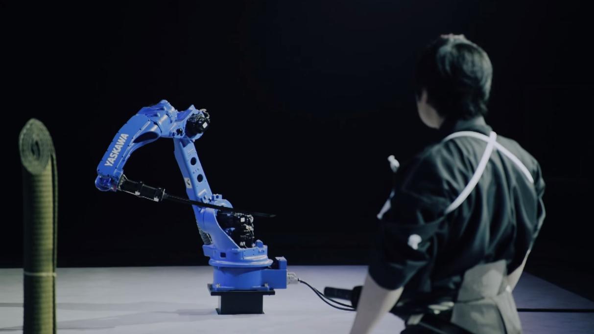 Her er den lynkjappe roboten klar til dyst. Foto: YouTube