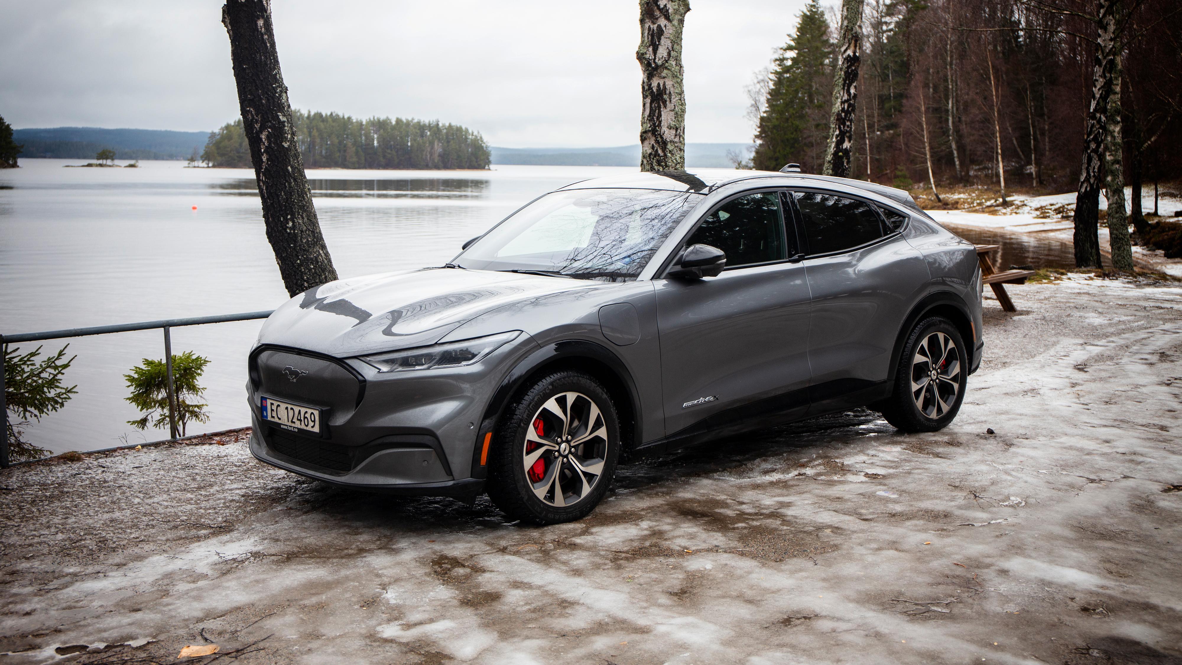 Eiere av Fords Mustang Mach-E har opplevd at bilen går fullstendig i lås etter å ha kjørt nedover «for lenge».