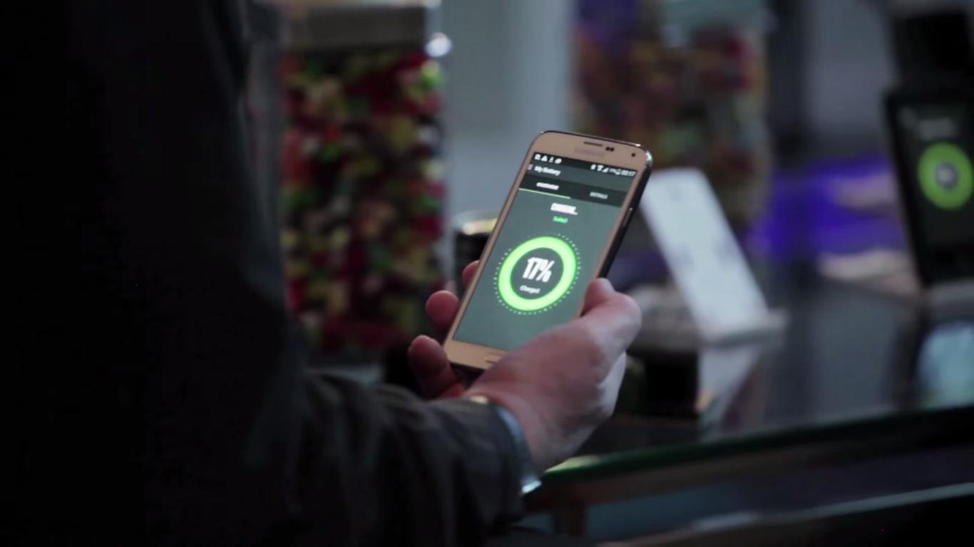 Snart kan mobiltelefonene lades automatisk – uten engang å forlate lommen
