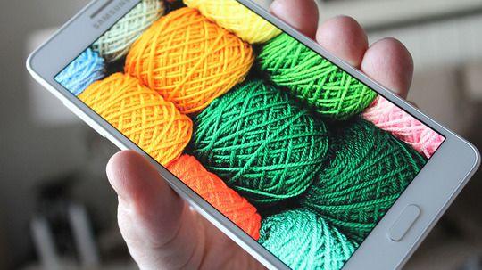 Galaxy A7 er den eneste som beholder skjermen sin i neste generasjon, ifølge ryktene. Foto: Espen Irwing Swang, Tek.no
