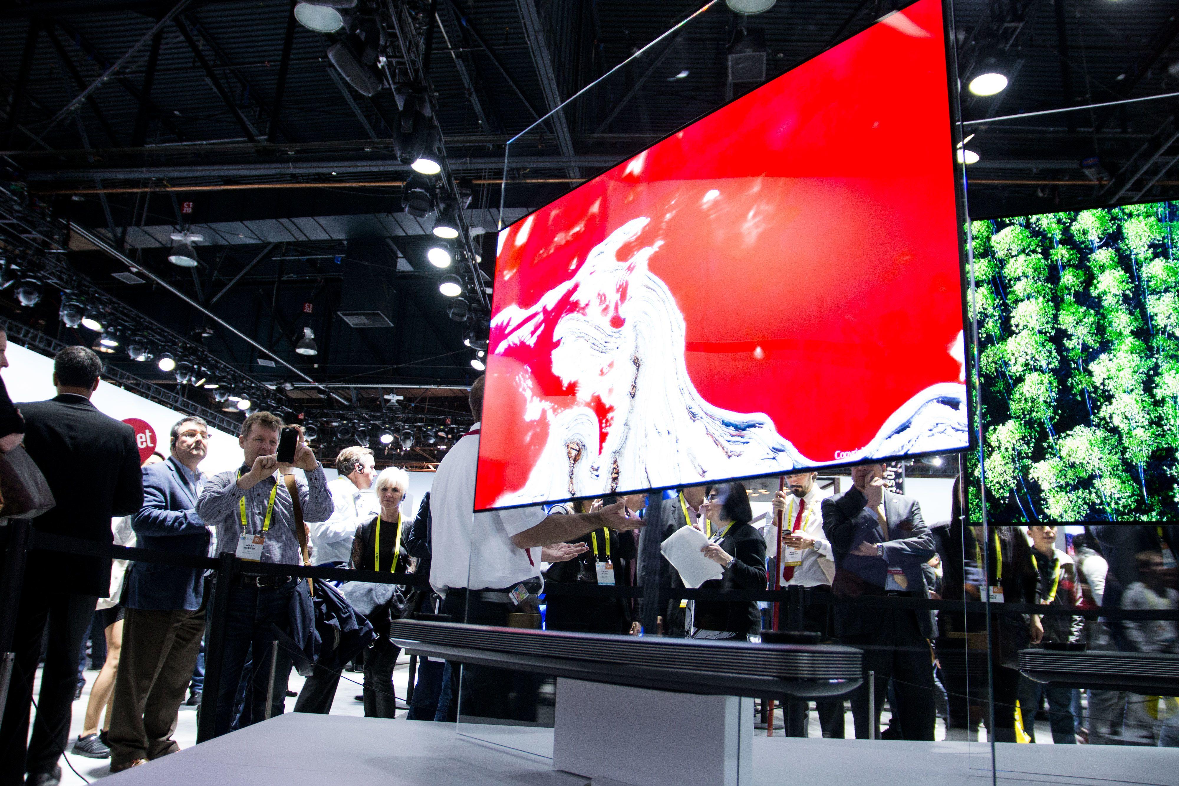 Du kommer til å se mye til OLED-TVer i 2017.