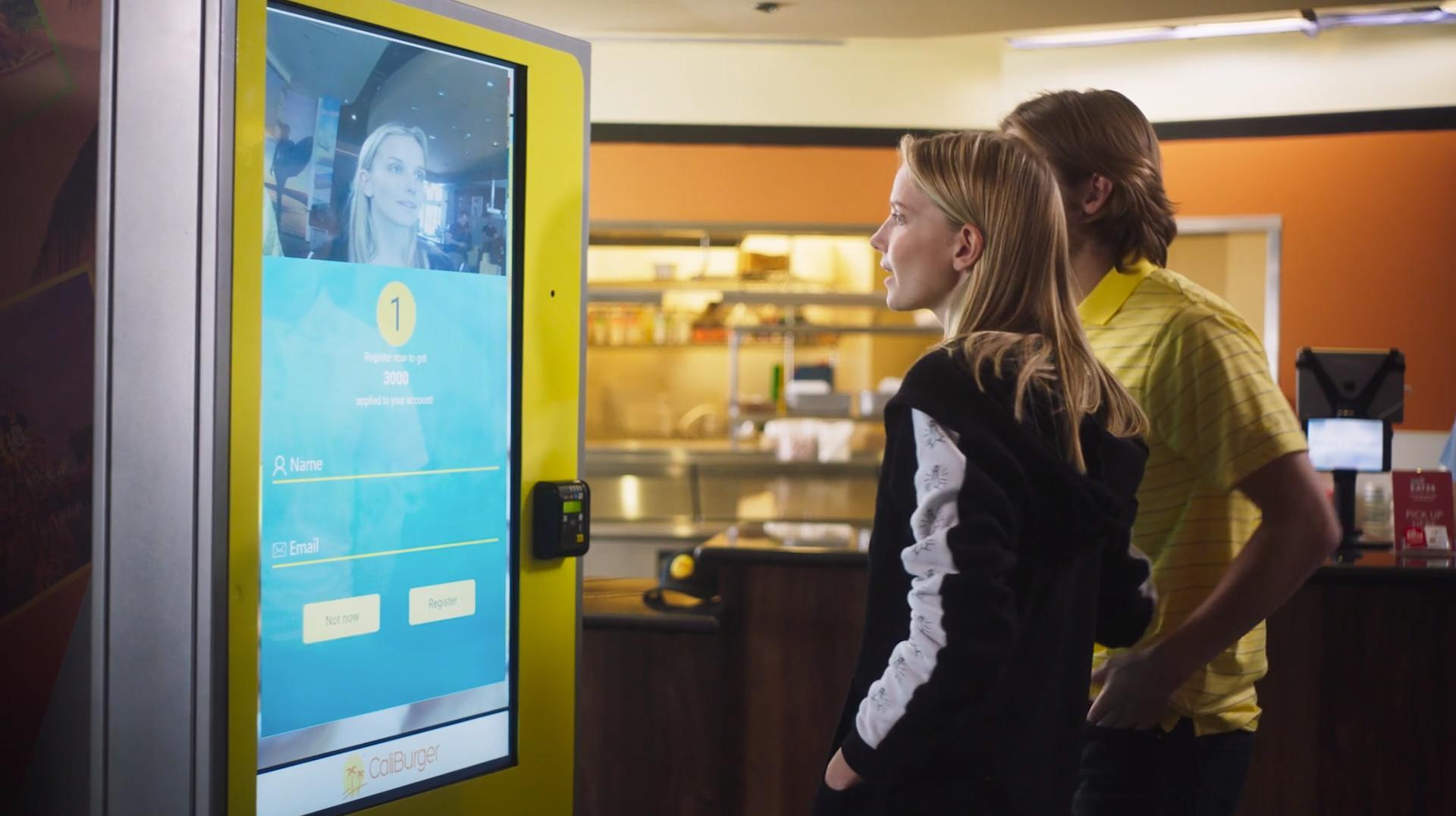 Her kan du kjøpe burgere bare ved å vise ansiktet ditt
