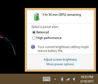 Her velger du strømplan. Flere strømplaner, blant annet «Strømsparer» kan aktiveres fra den nederste lenken, «Flere strømalternativer».