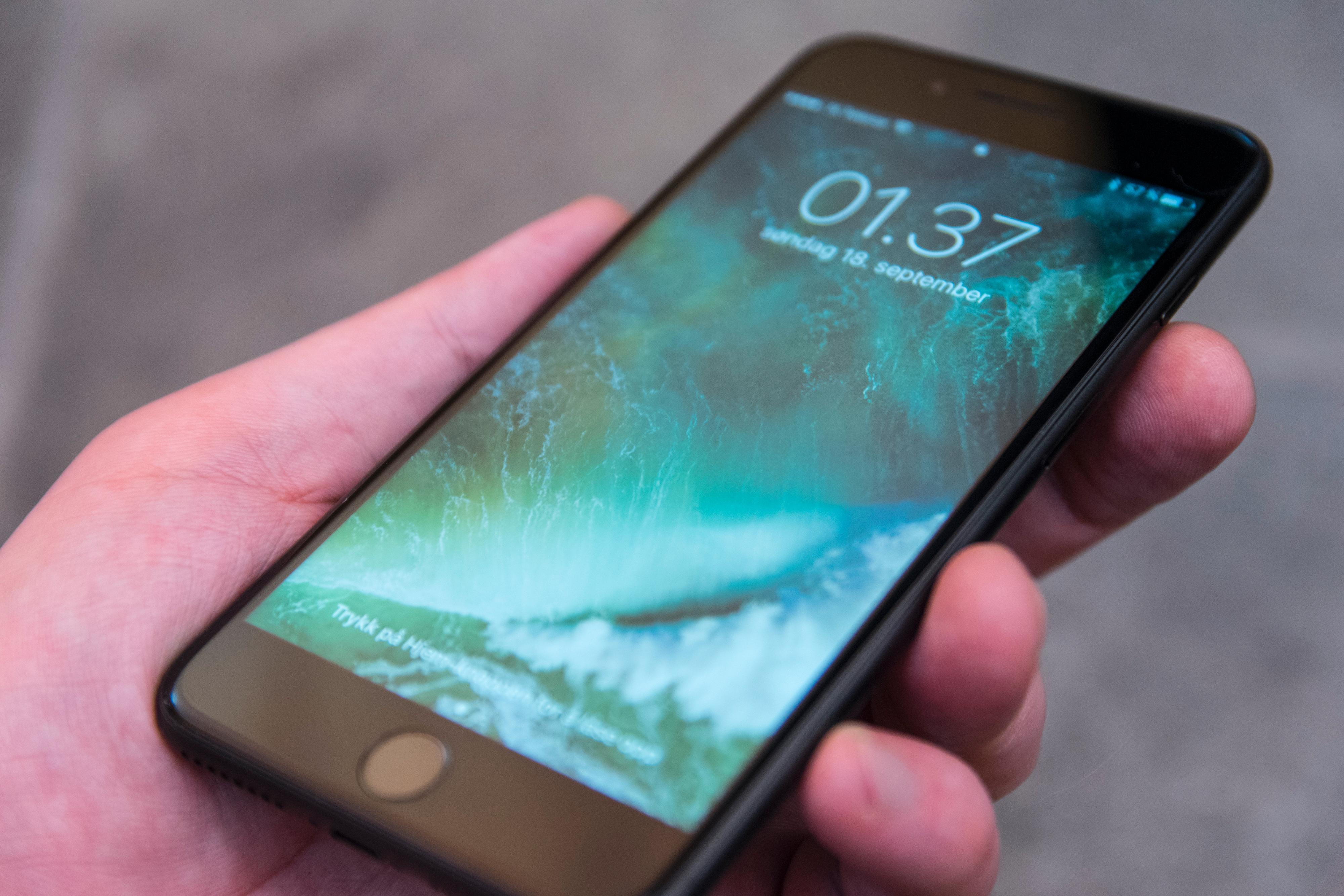 iPhone 8 blir visstnok dyrere enn iPhone 7 Plus, her avbildet, men ikke nødvendigvis så mye dyrere.